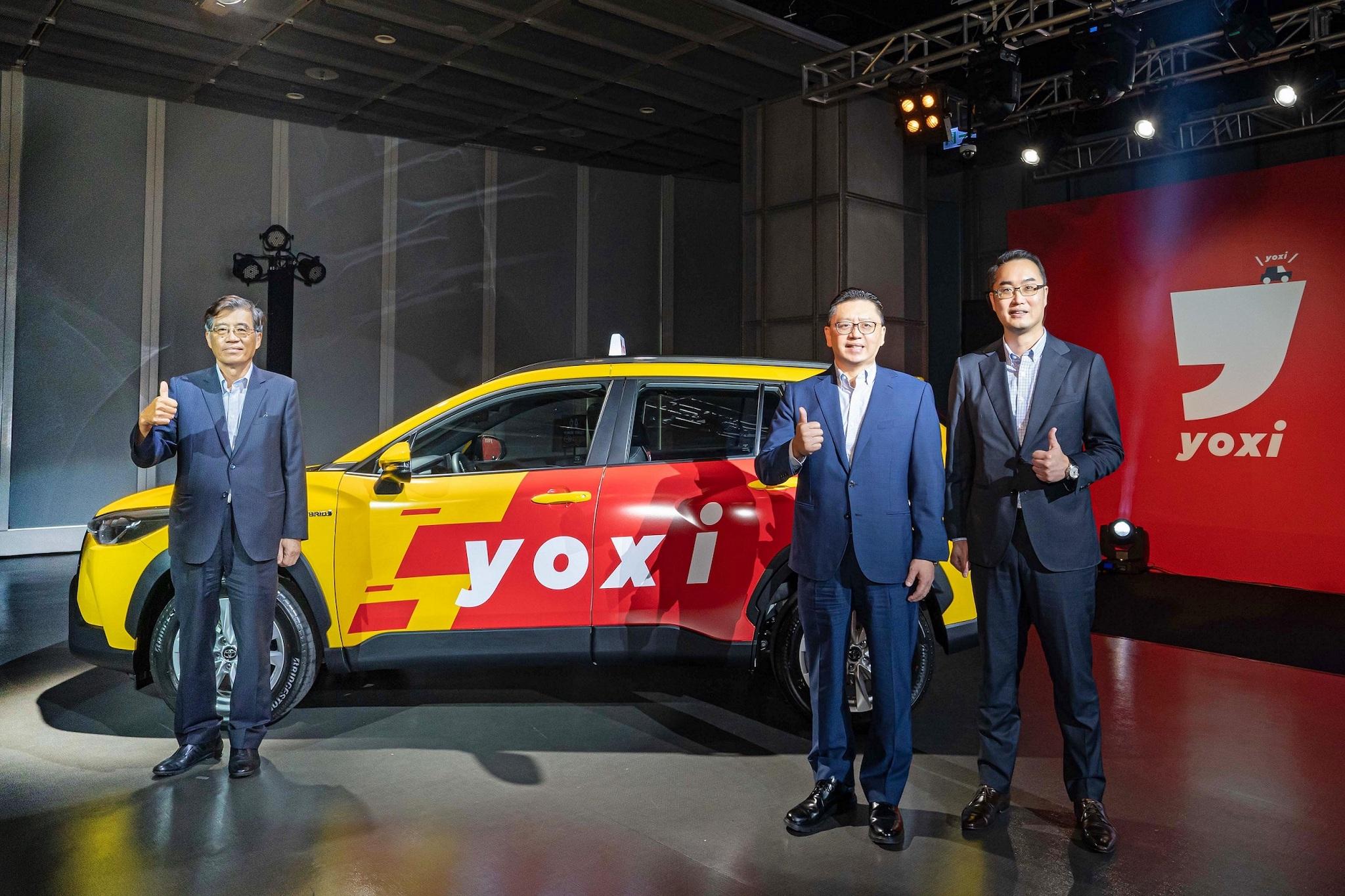 左起和泰汽車黃南光董事長、蘇純興總經理、吳品璁本部長。