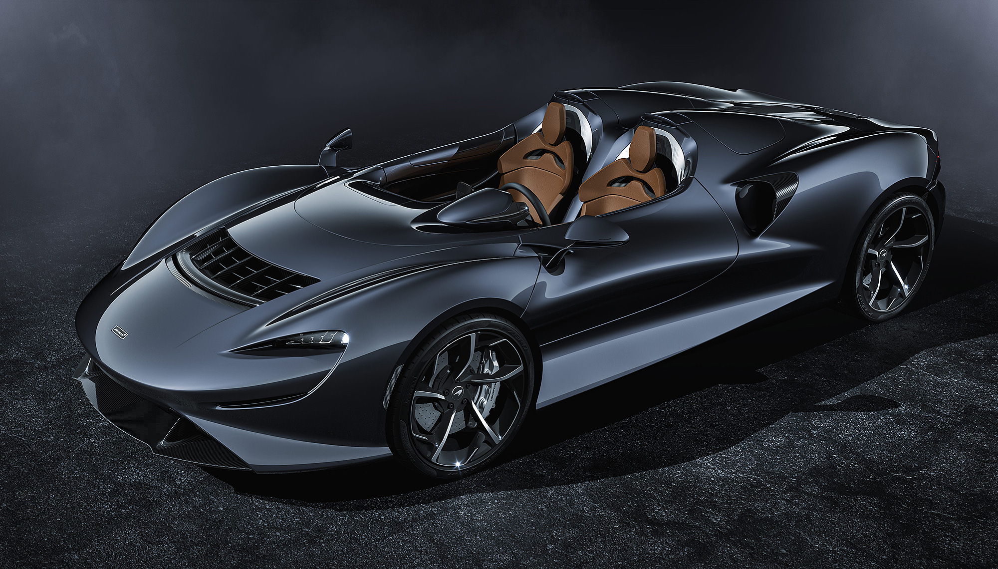 Elva 不但有向經典致敬的外觀設計,還有 McLaren 產品線最強悍的加速性能。