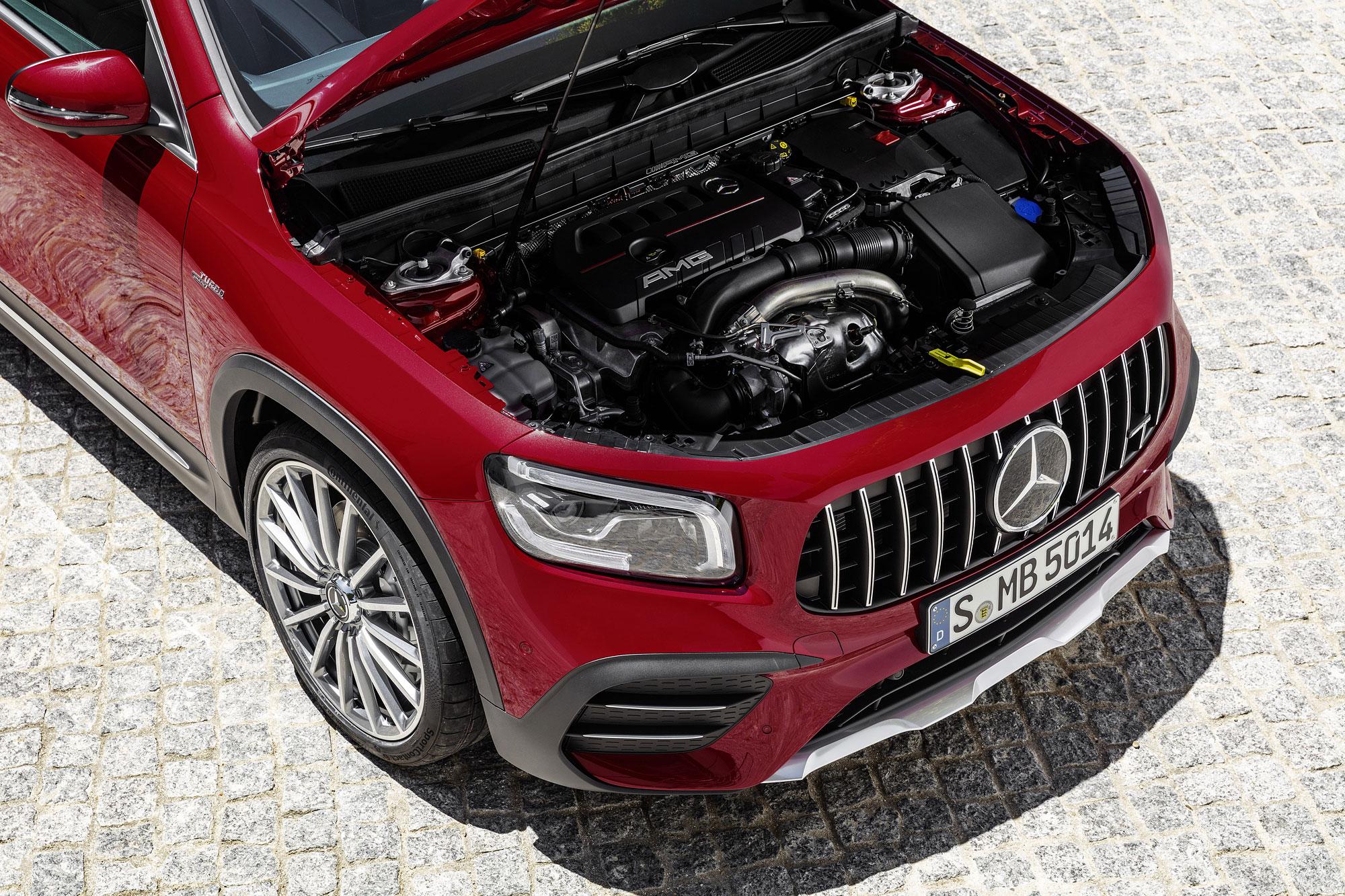 2.0 升渦輪增壓引擎具有 306 匹馬力、 40.8 公斤米扭力的最大輸出。