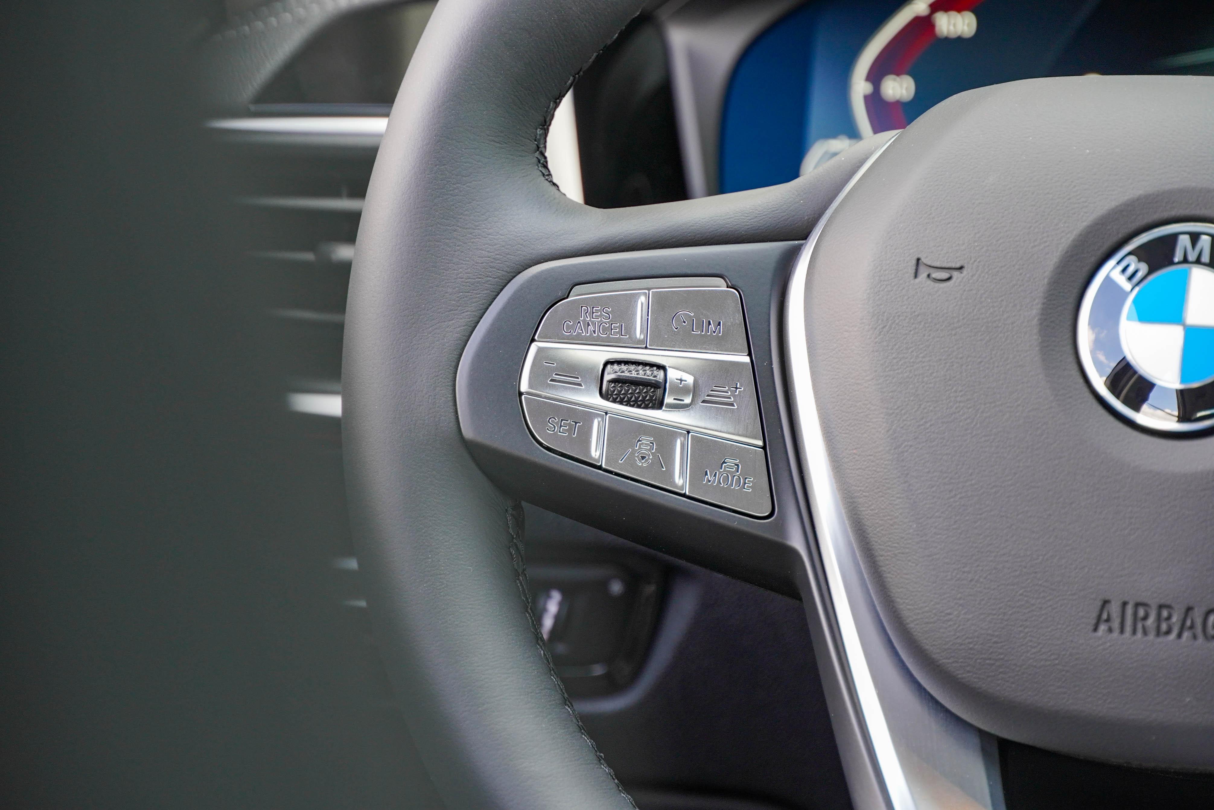 標配主動車距定速控制系統(ACC)及主動車道維持。