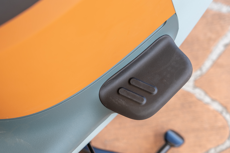 VIVA XL 與 Gogoro 3 一樣都採用固定式後腳踏設計。