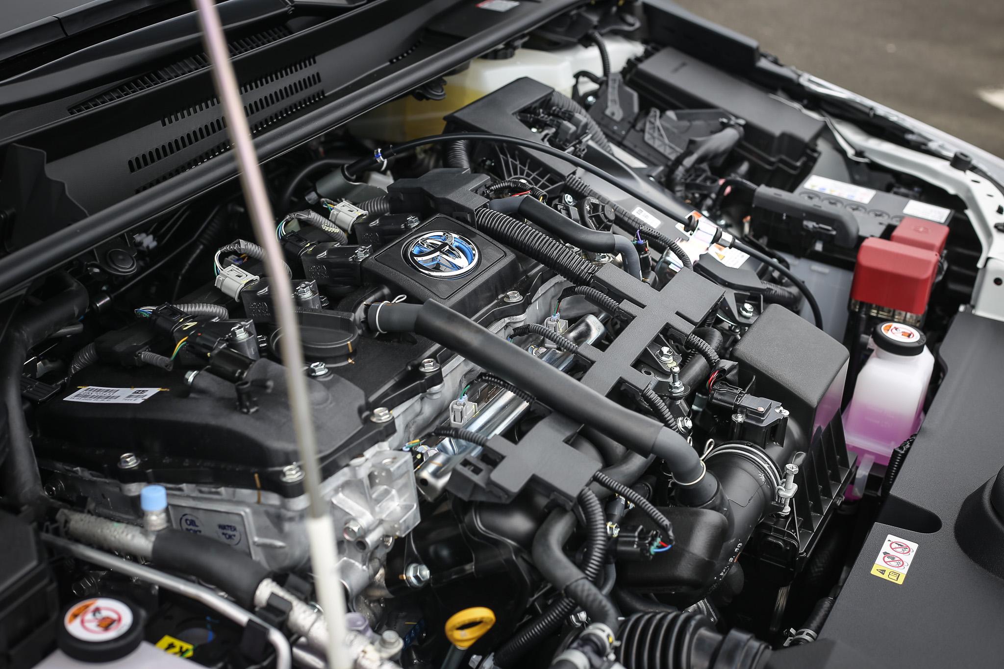 動力維持既有調校,Corolla Altis GR Sport Hybrid 最大綜效馬力為122ps,23.6km/L 的官方平均油耗還是其最大價值。