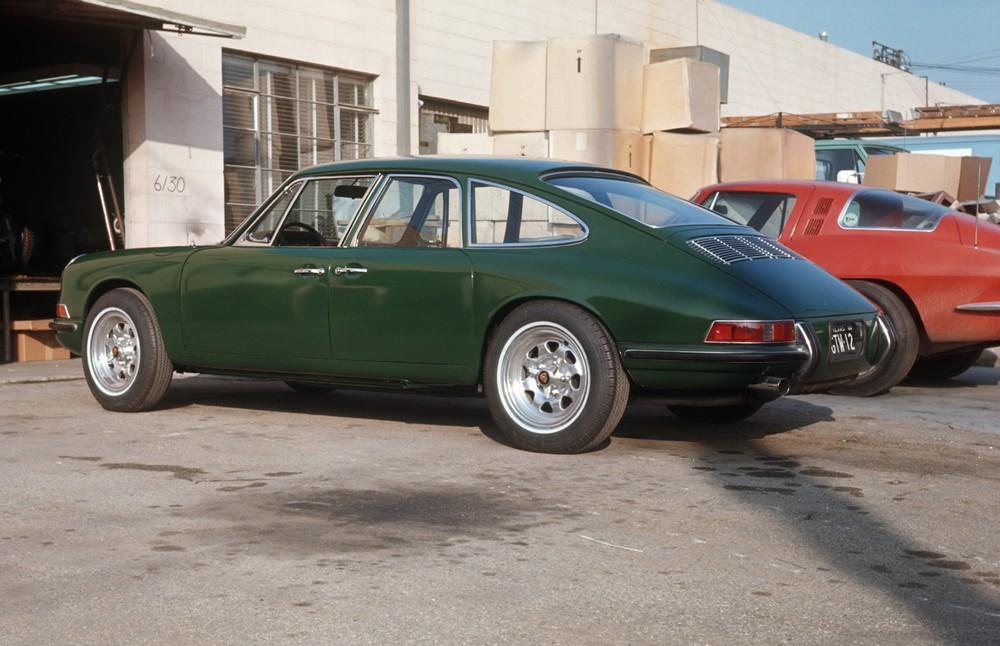 911 四門原型車。