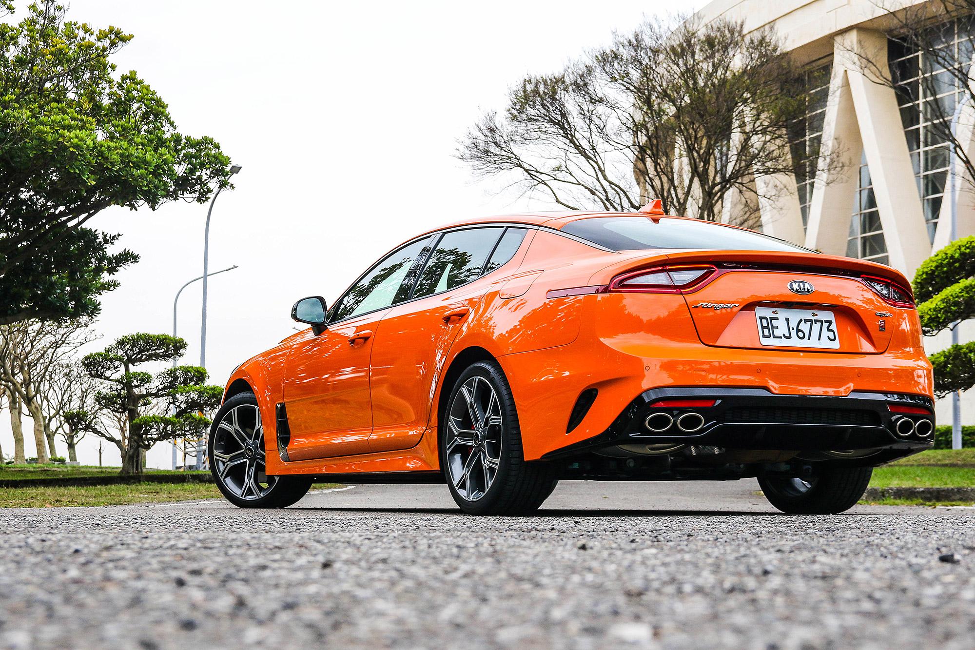獨特且個性化的設定,加上來自於前 BMW M 部門的性能與操控,都讓 Stinger GT 多了魅力。
