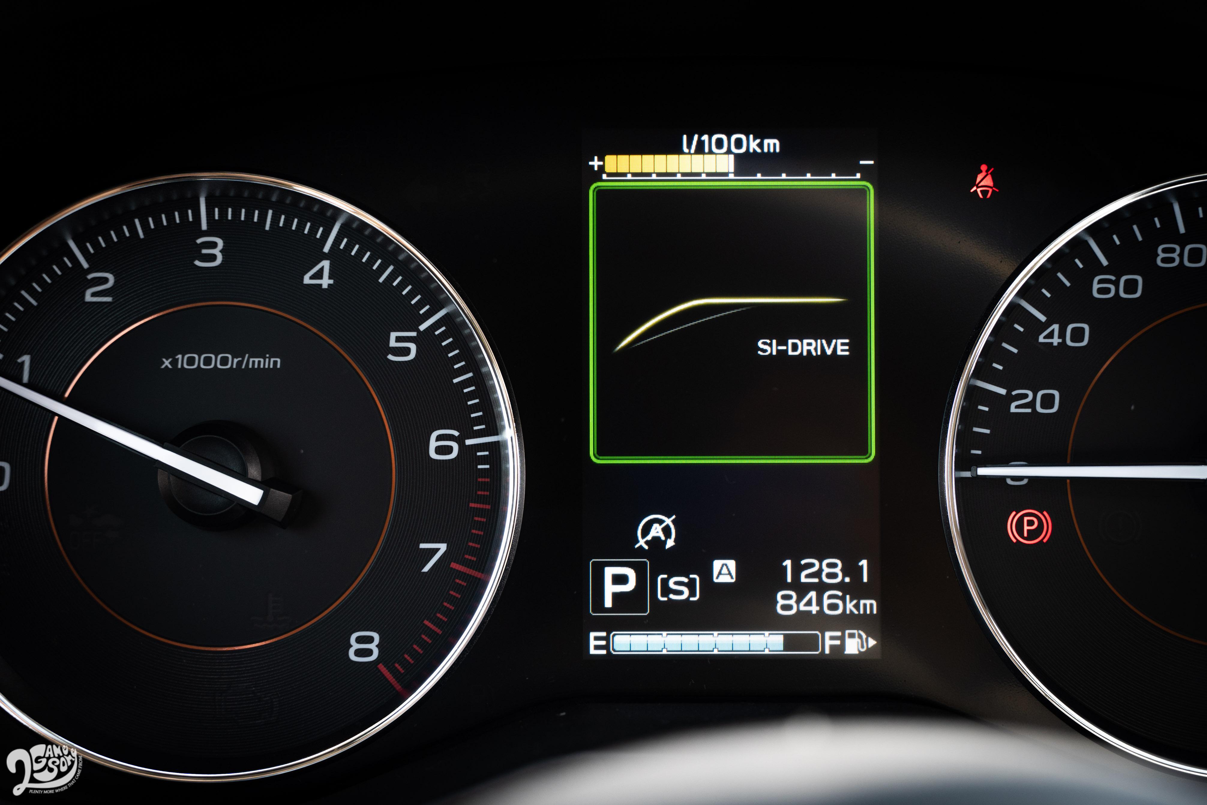 新增 Si-Drive雙模式動力控制系統,提供「S」與「I」模式。