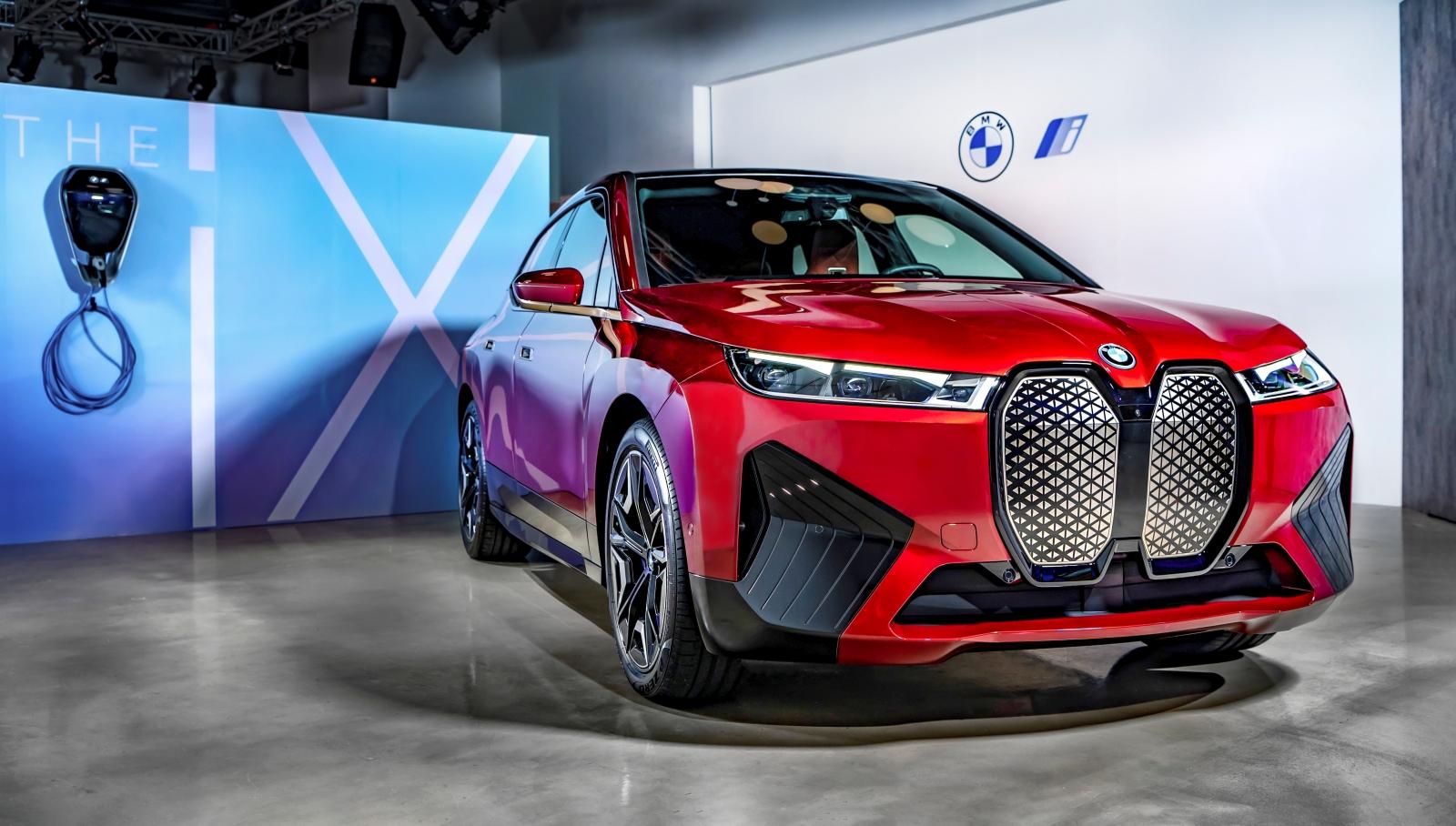 年底正式發表!BMW iX 豪華純電旗艦休旅台灣首映