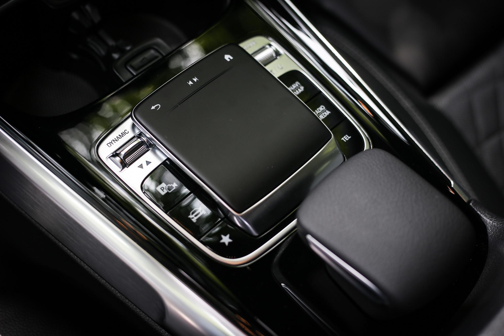 進階 MBUX 多媒體系統、Mercedes me connect 互聯系統、智慧型手機整合系統等都是標準配備。
