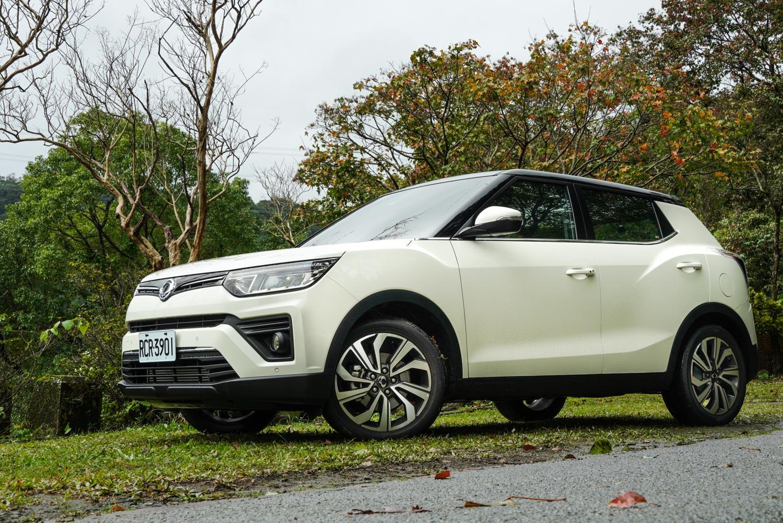 試駕車型為 Tivoli 1.5 汽油豪華型,車價為 94.8 萬元,為汽油動力車款的最頂規車型。