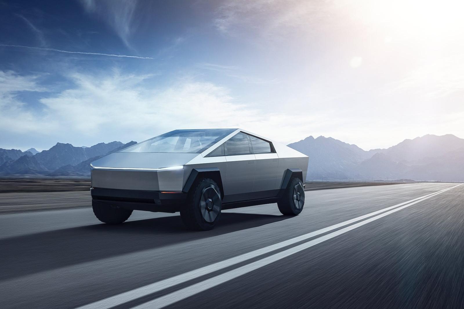 Cybertruck 頂規的三馬達四輪驅動車型除了續航力超過 800 公里,0-100 km/h 加速也可以在 2.9 秒內完成。