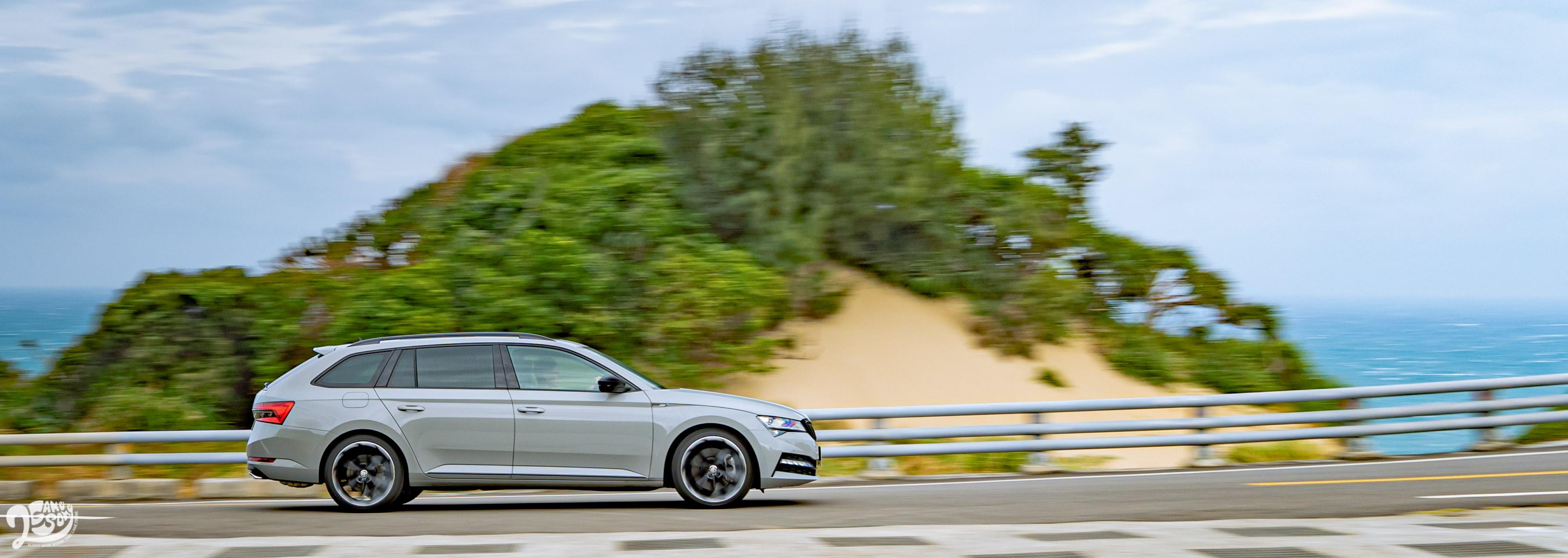Škoda Superb Combi SportPlus 4x4 原價 172.9 萬,年底前優惠價 169.9 萬。
