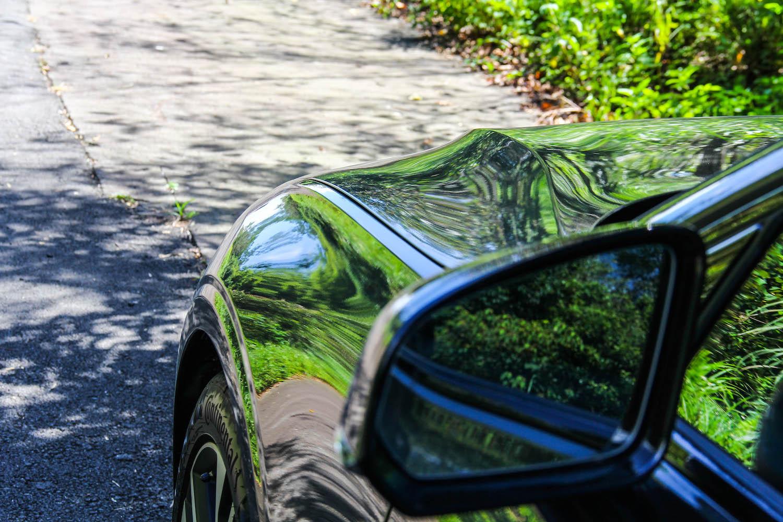 同場加映:全車最喜歡的角度,飽滿的肌肉線條,不說還以為是性能跑車呢!有去賞車記得品味這個視角。