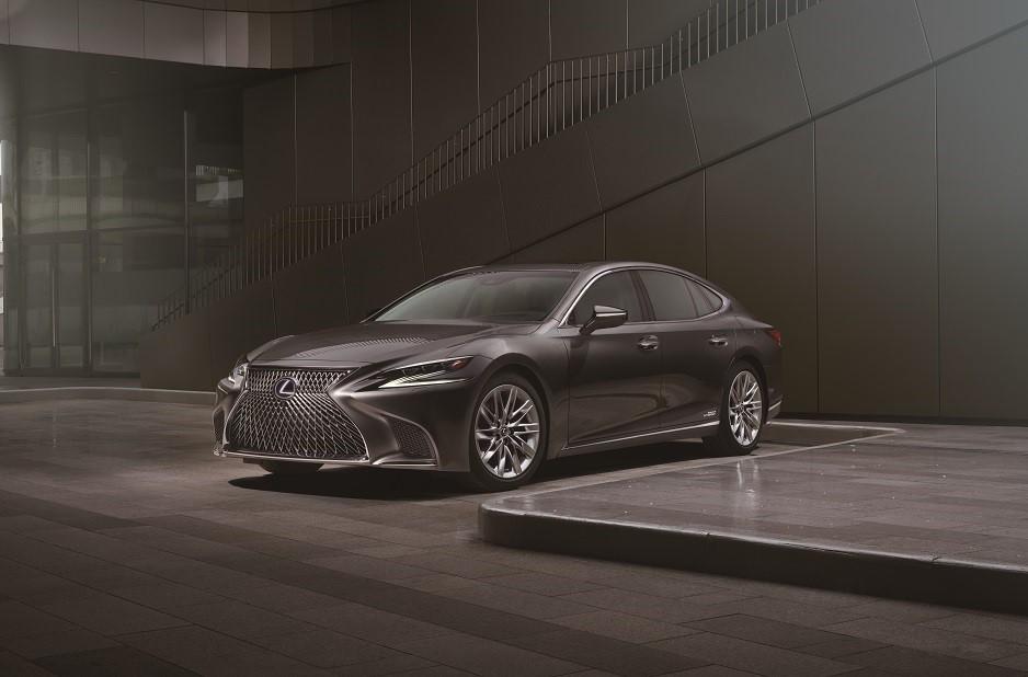 第 54 屆金鐘獎,Lexus 載星走紅毯