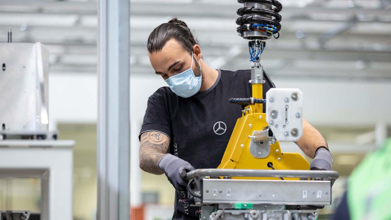 Mercedes-Benz 逐步重啟全球產線