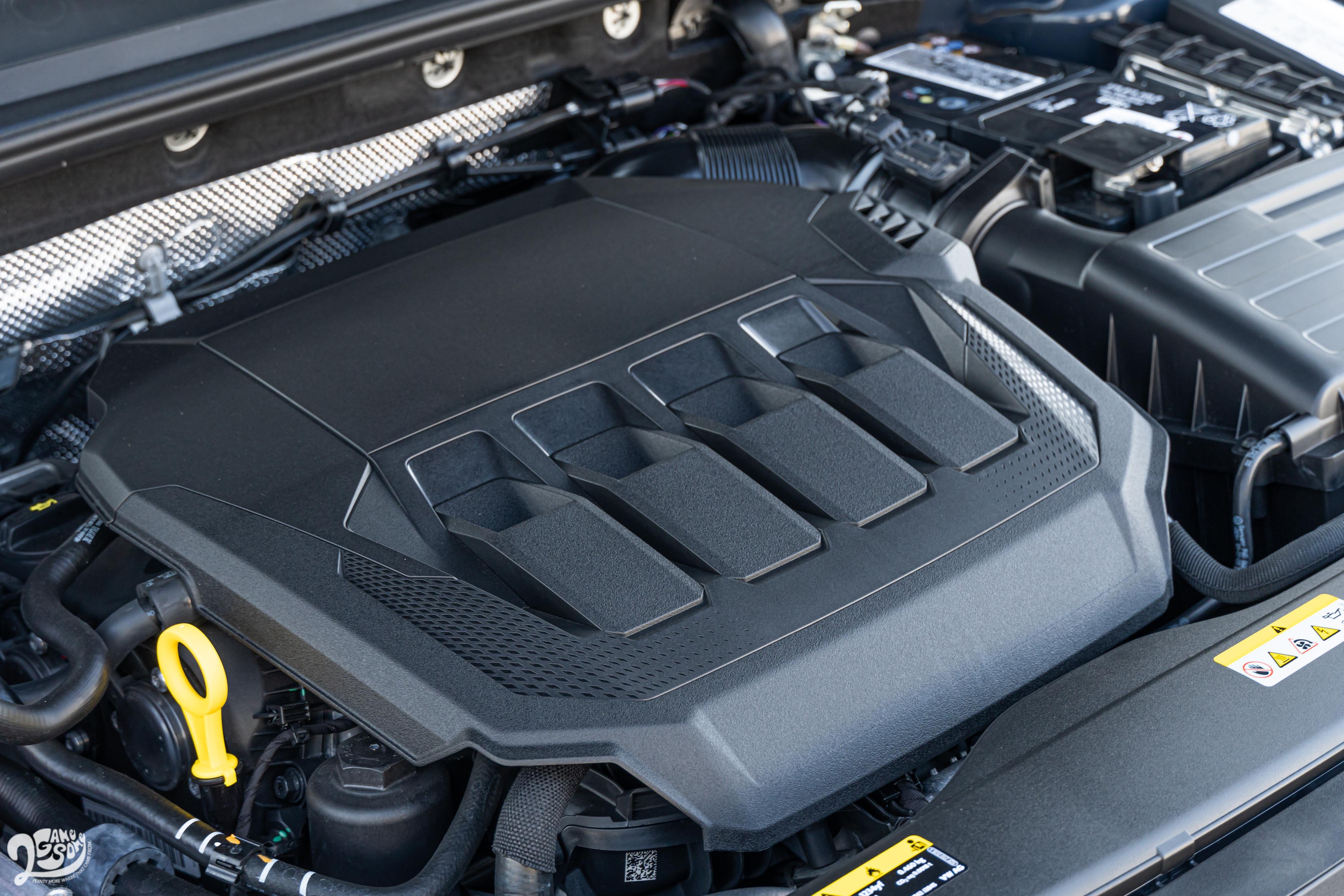 Arteon Fastback 330 TSI搭載 2.0 升渦輪增壓汽油引擎,具備 190ps / 4200~6000rpm 最大馬力,與 32.6kgm / 1500~4100rpm 最大扭力輸出。