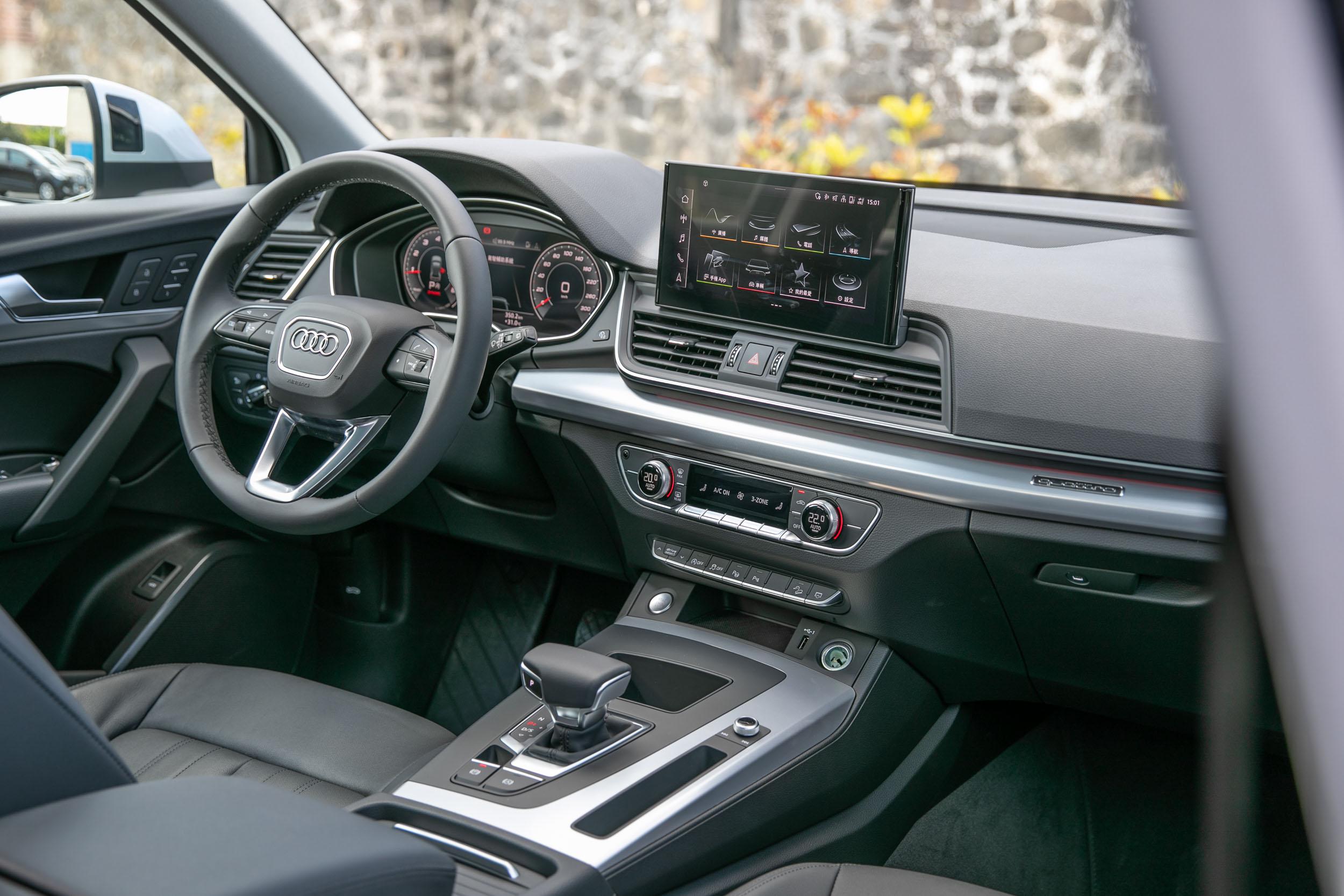 座艙內主要針對細節配備的升級。