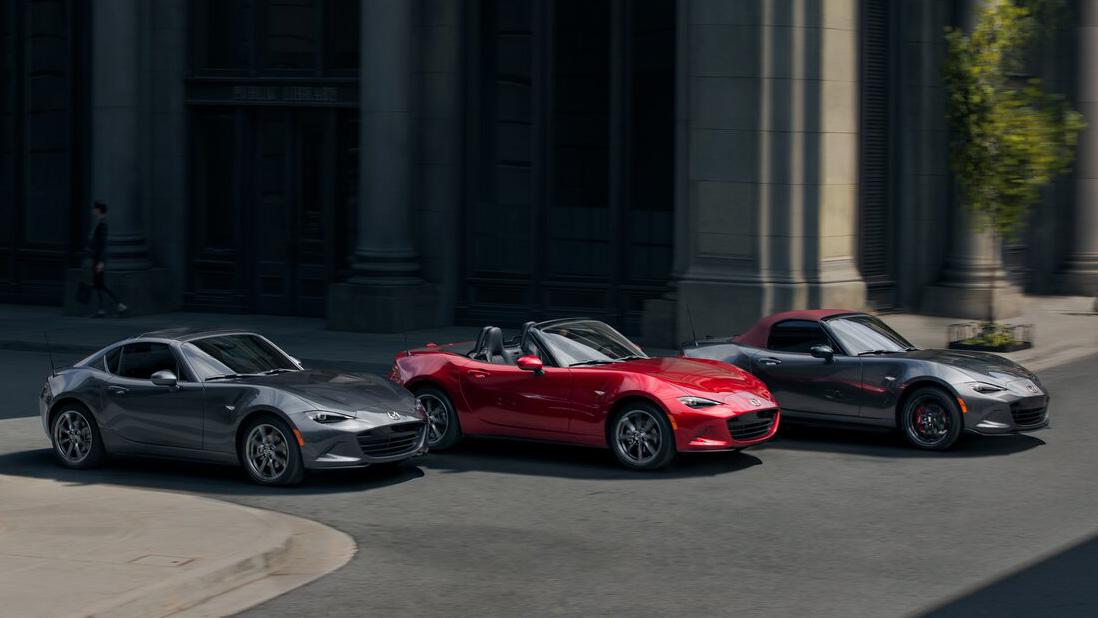 2022 年式 Mazda MX-5 134 萬起展開接單 新增酒紅頂篷