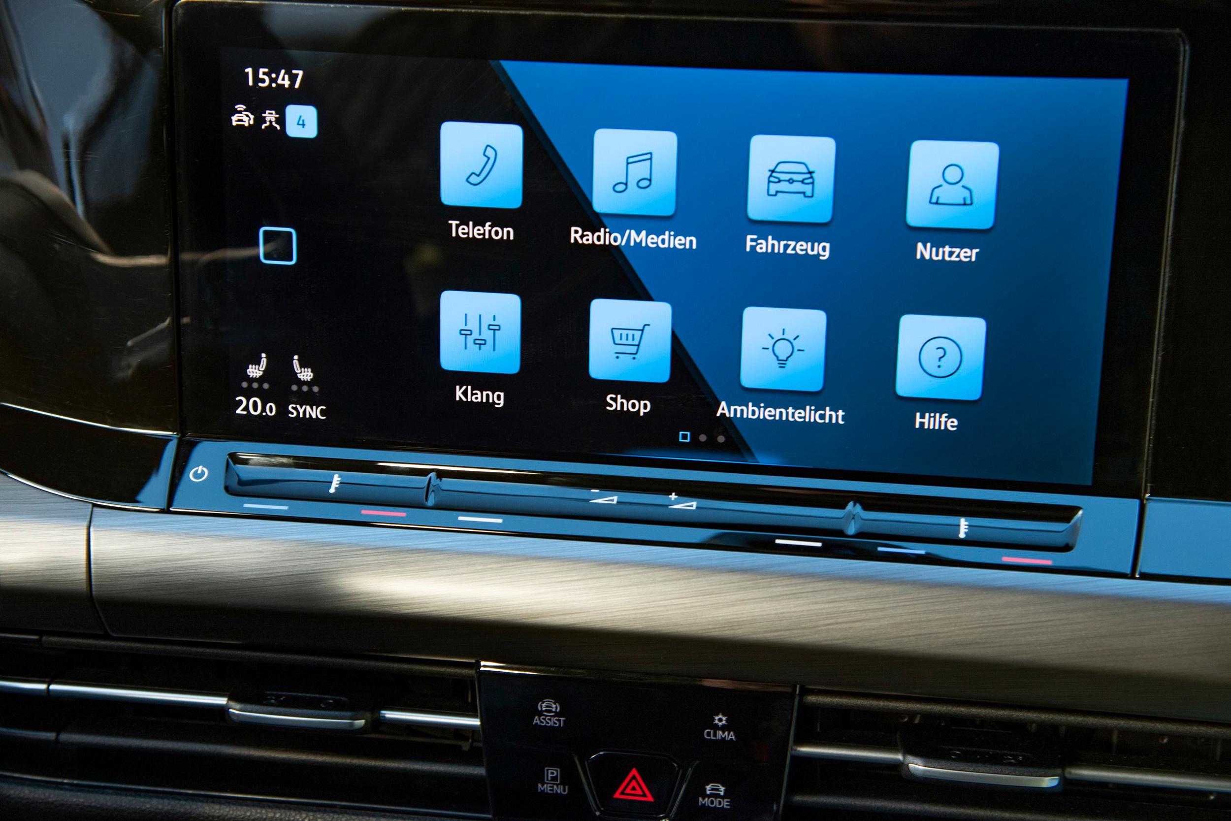 Style以上車型配有全新Discover Pro 10吋多媒體鏡面觸控主機(MIB 3),以MIB3 Advanced Tab鏡面觸控面板。