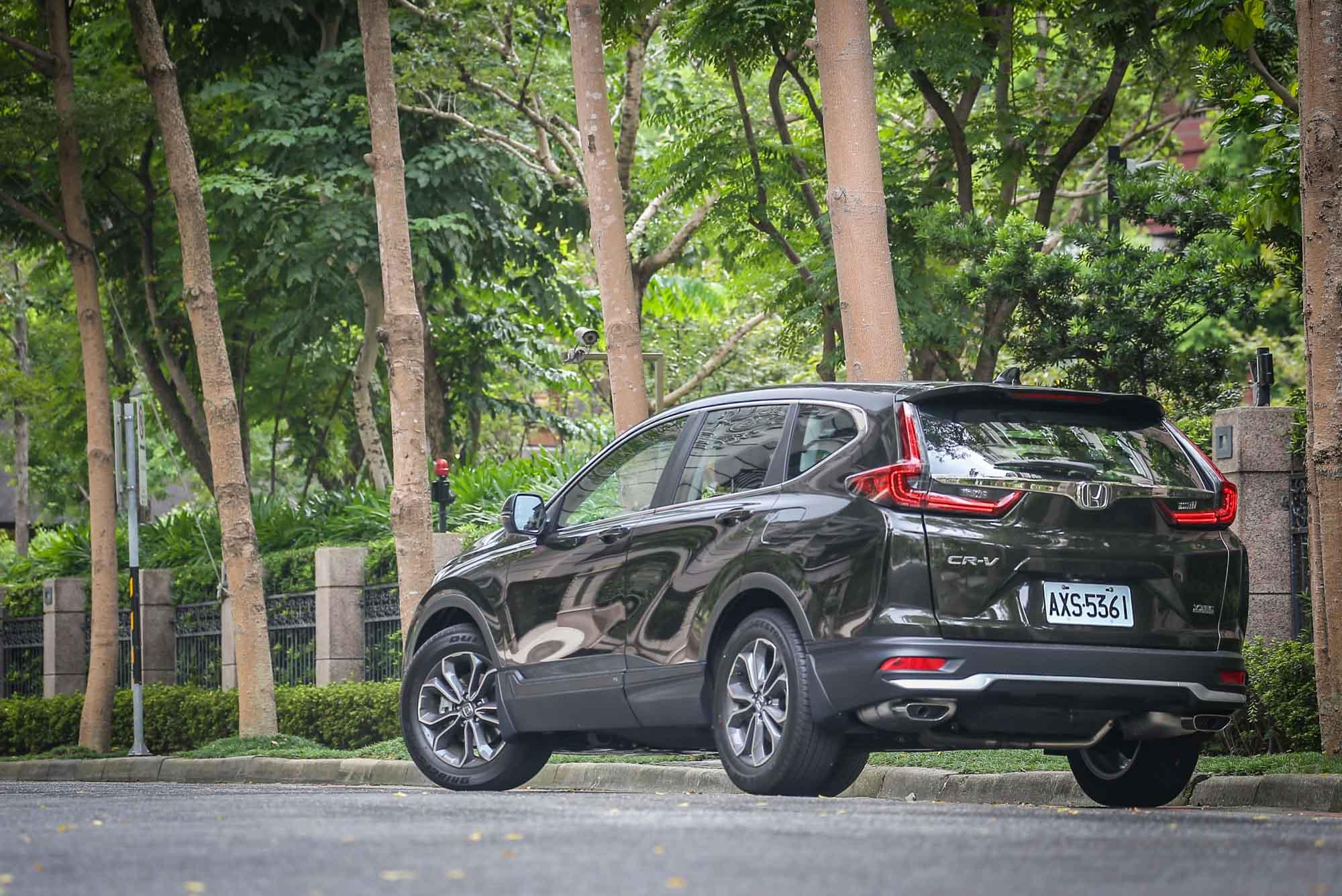 如何維持戰力保有 CR-V 的國產中型休旅王者地位,相信是車迷期待也是 Honda Taiwan 需要繼續努力的重要課題。