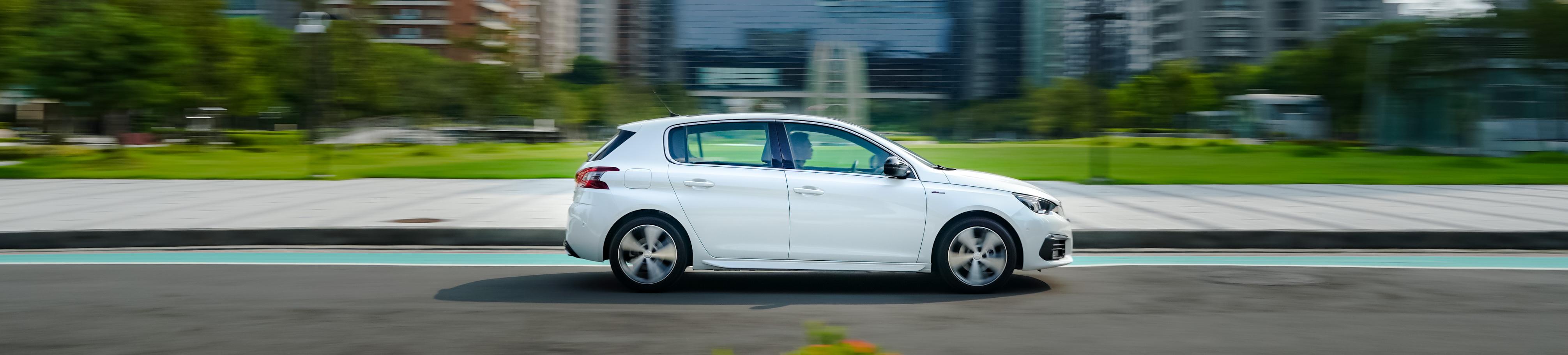 Peugeot 308 特仕版提供 Allure、Allure+、GT Line Cielo 三車型,售價分別為 118.9 萬、122.9 萬、138.9 萬元。