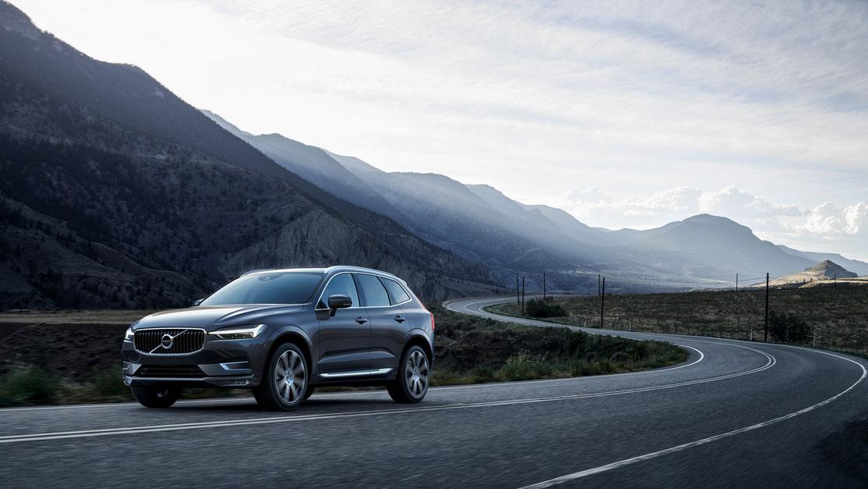 ▲ 21 年式 Volvo XC60 輕油電陣容 215 萬起,新增無線充電板,車內空氣更乾淨