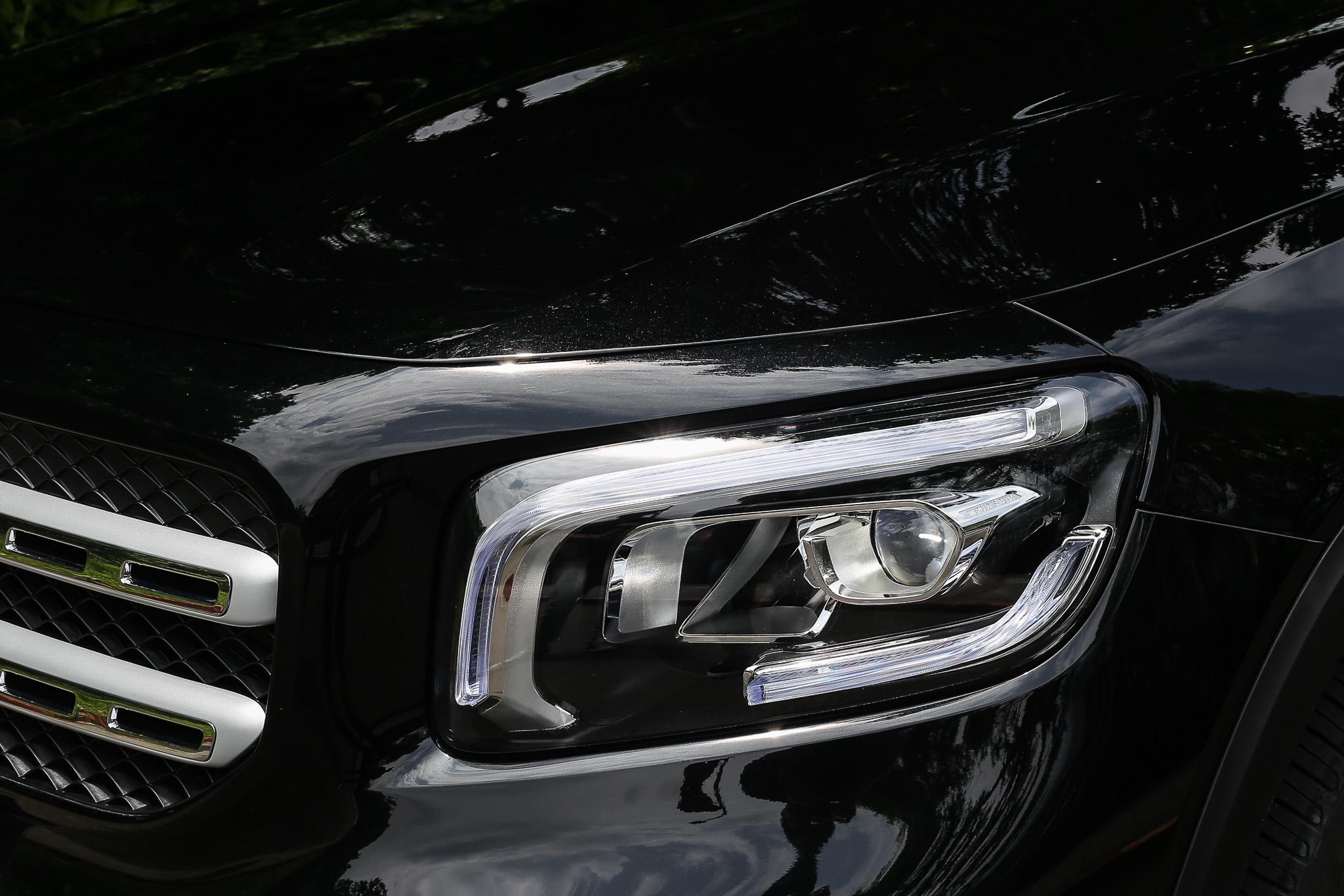 標準型 LED 頭燈為 GLB 全車系標配。