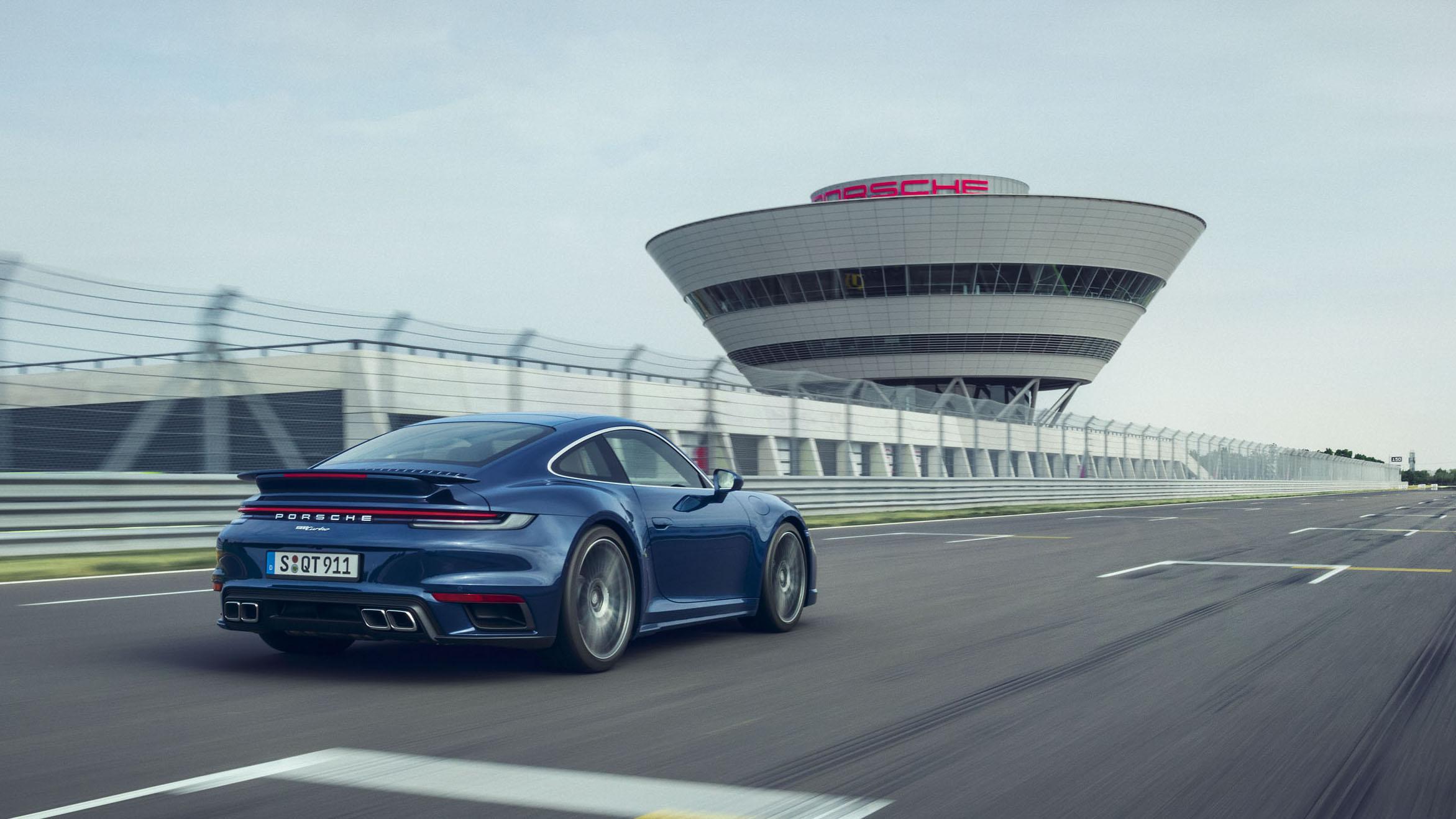 3 秒內破百的 2+2 跑車,Porsche 911 Turbo Coupé 開價 970 萬