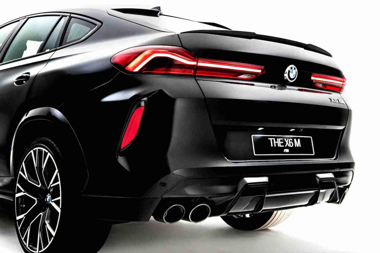 黑色雙邊雙出尾管的 M 運動化排氣系統讓 X6 M 聲浪更為渾厚。