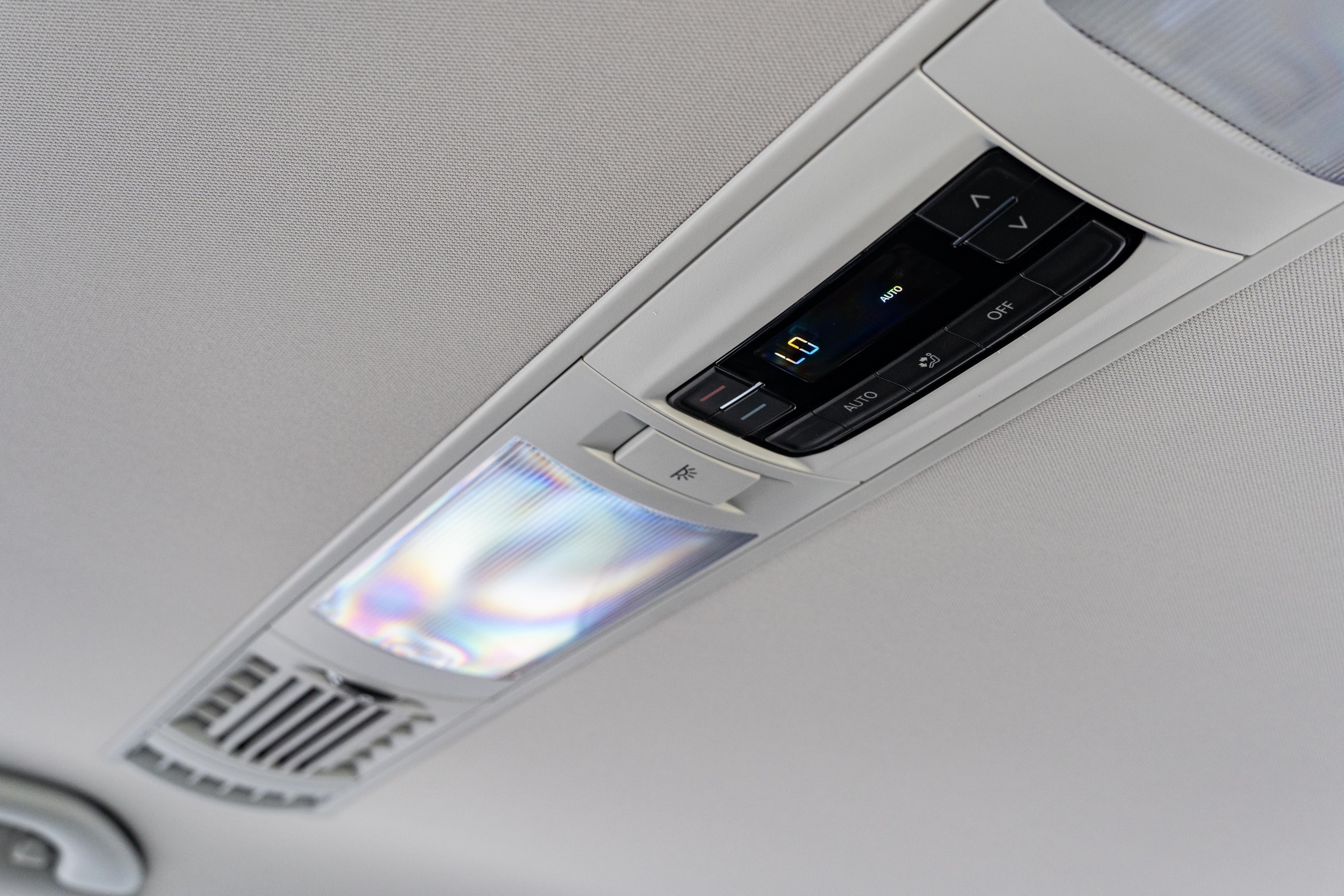 全車系標配 Climatronic 三區恆溫空調。