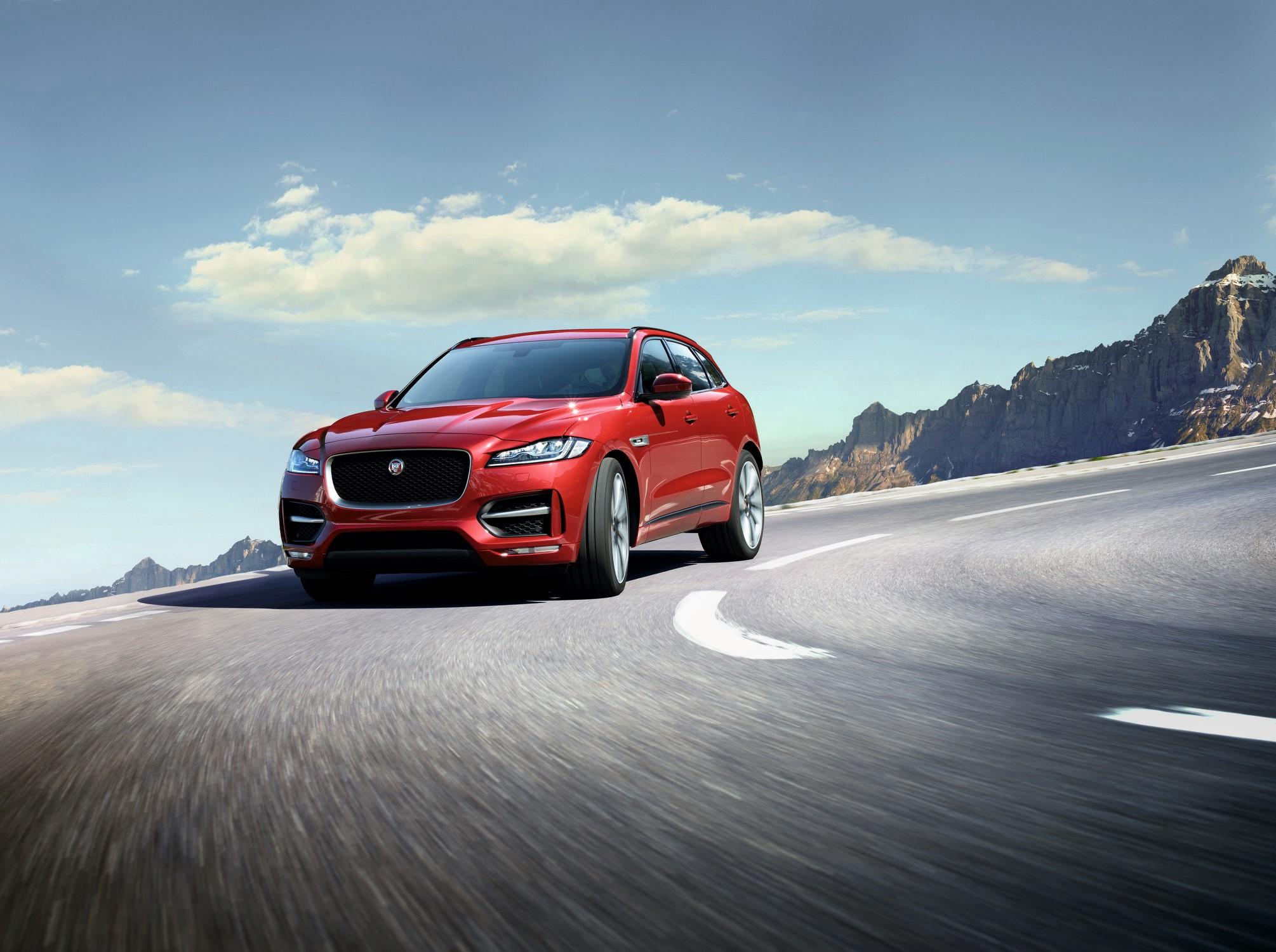 Jaguar F-Pace。