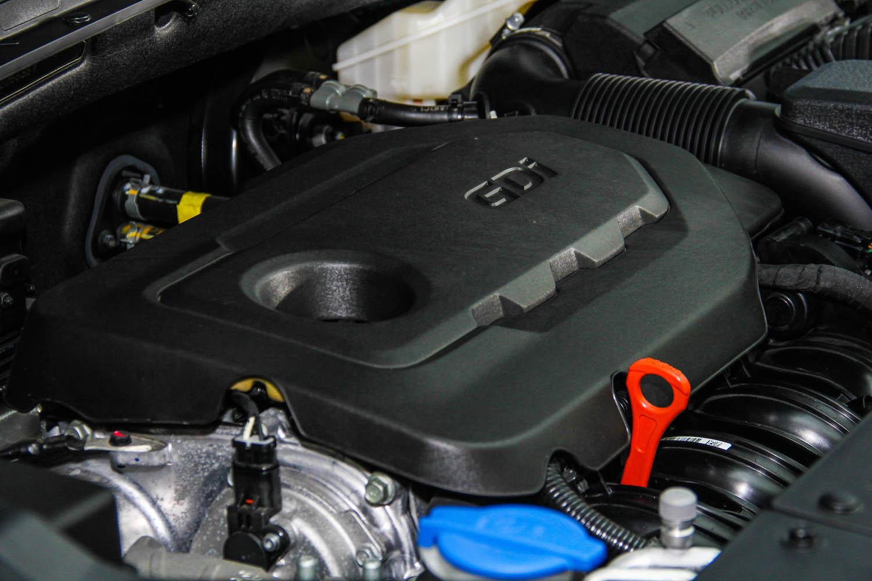 汽油版搭載全新第二代 Theta II 2.4 GDi 汽油引擎,可壓榨 185ps 最大馬力與 24.3kgm 峰值扭力。