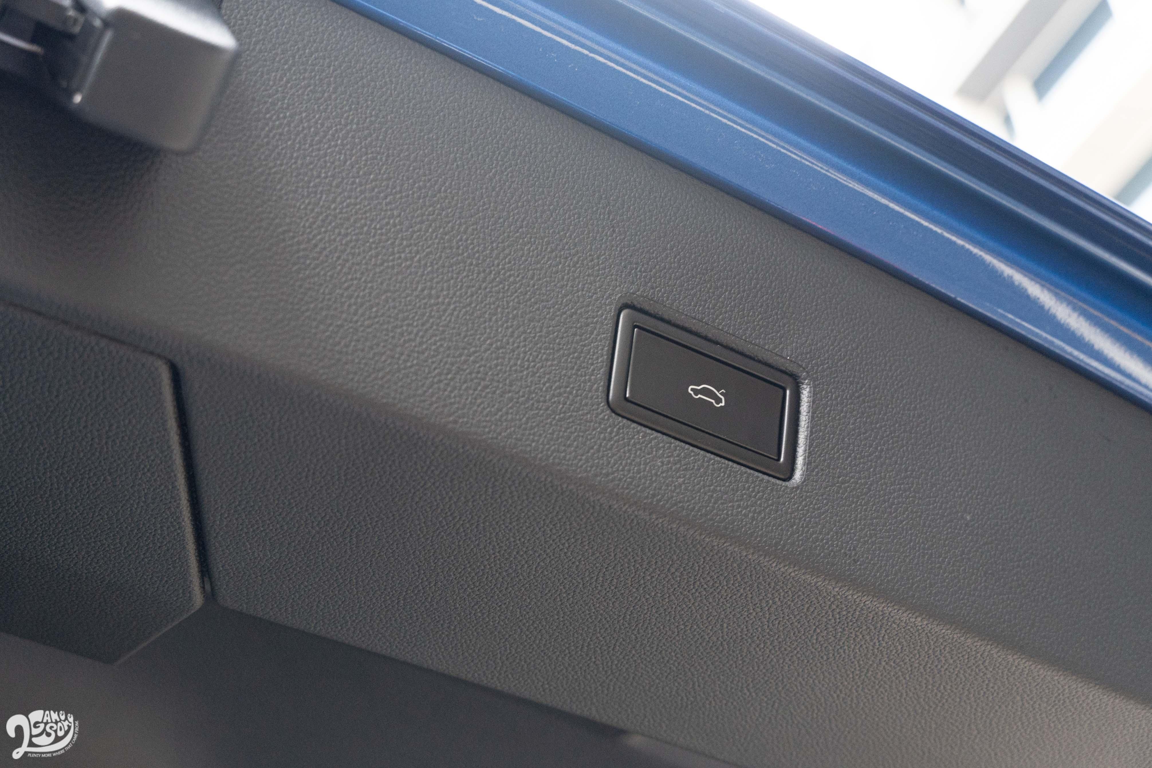 電動尾廂門為 T-Roc 280 TSI Style Design以上車型標配。