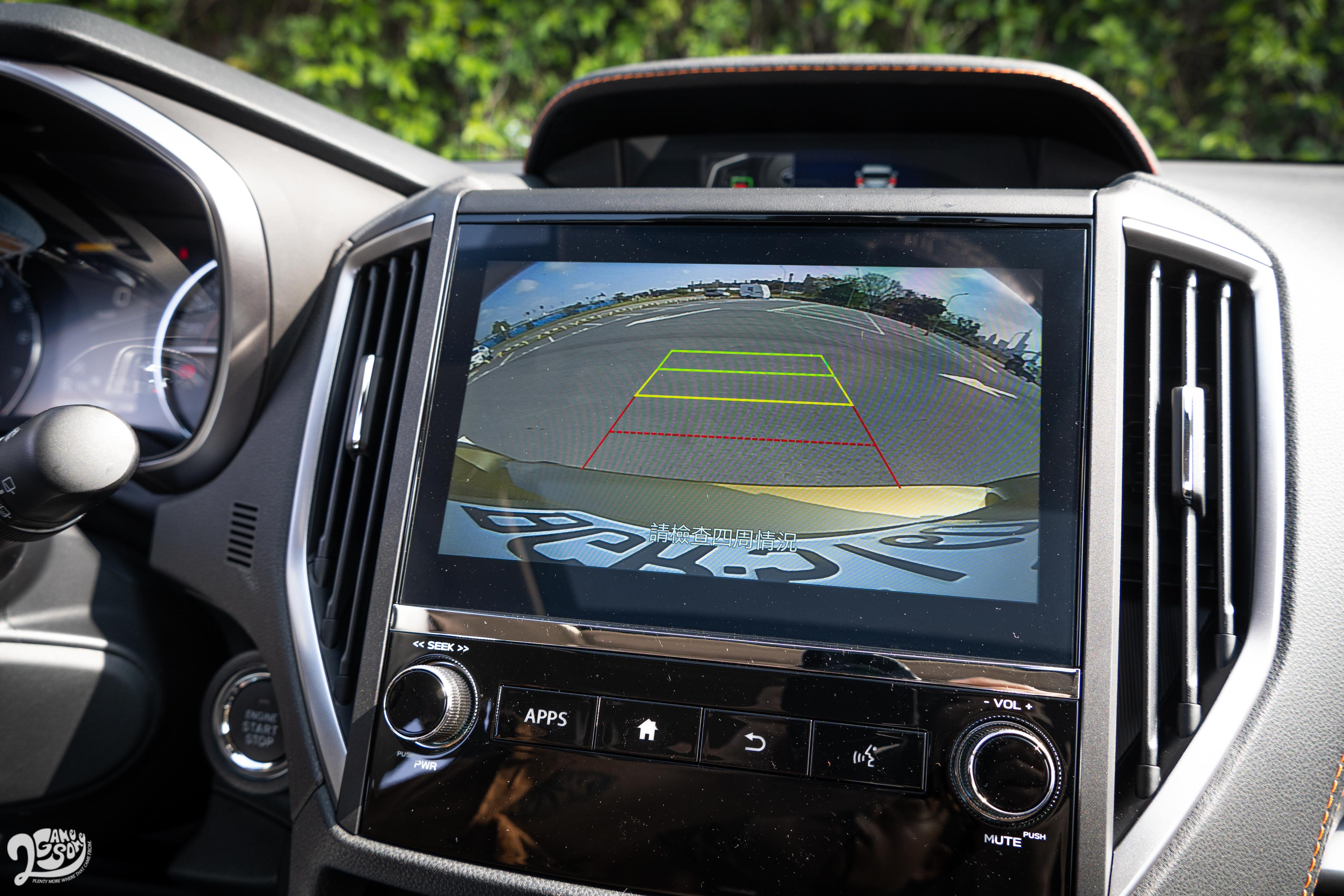 倒車顯影系統是標準配備。