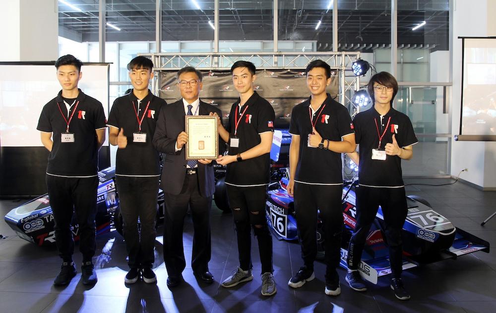 去日本比方程式賽車!和泰與北科大共創單體座艙賽車