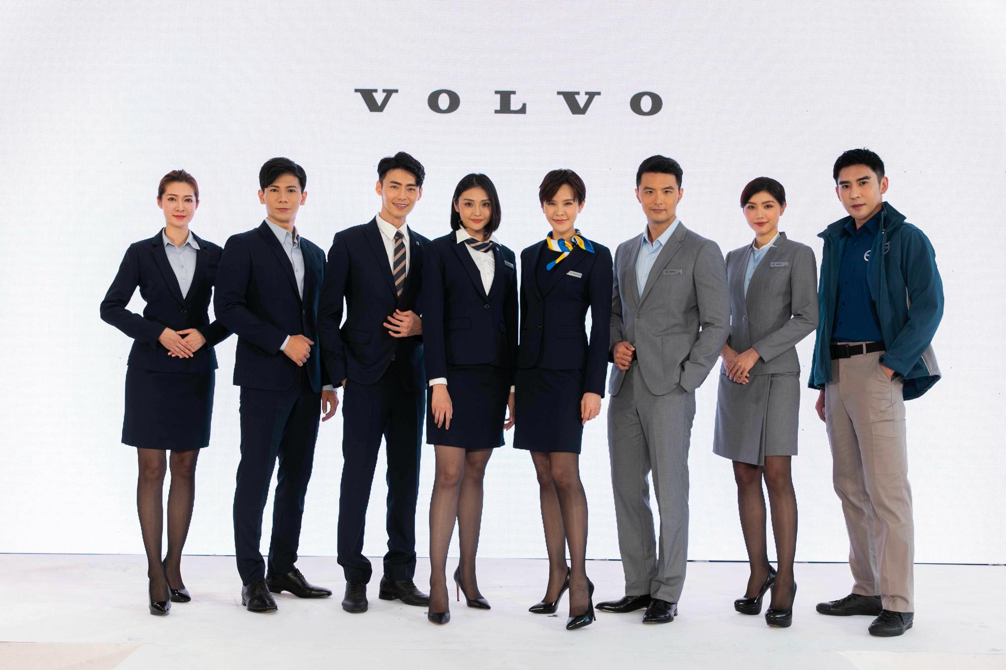 Volvo 宣佈全面升級改款工作人員制服,特別邀請凱渥名模演繹北歐時尚風情。