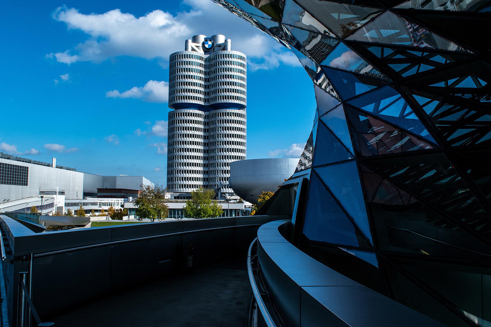 因為動力系統門檻高,造就汽車業大者恆大的生態。