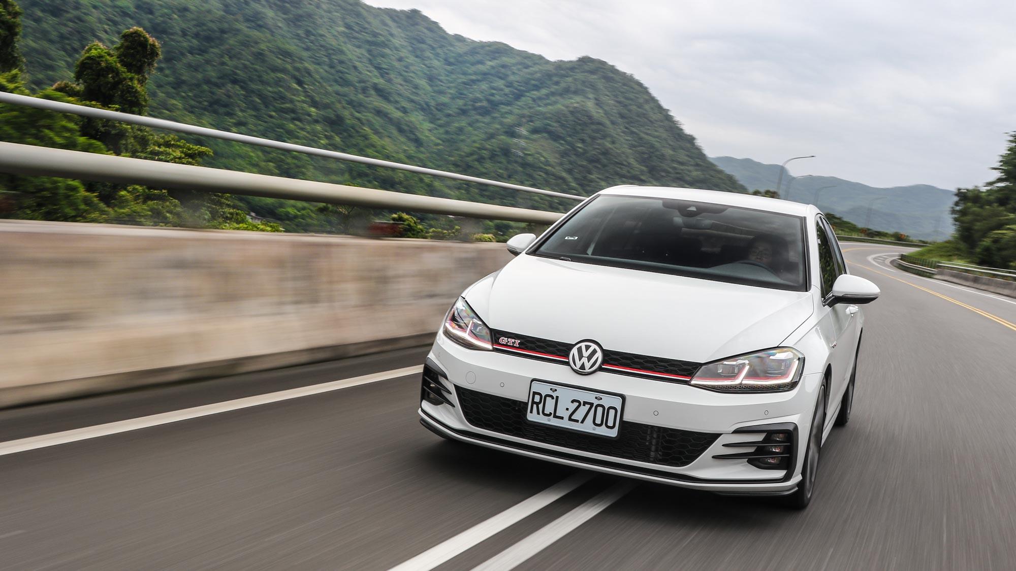 零妥協!Golf GTI Performance Pure 機能與性能的雙能鋼砲