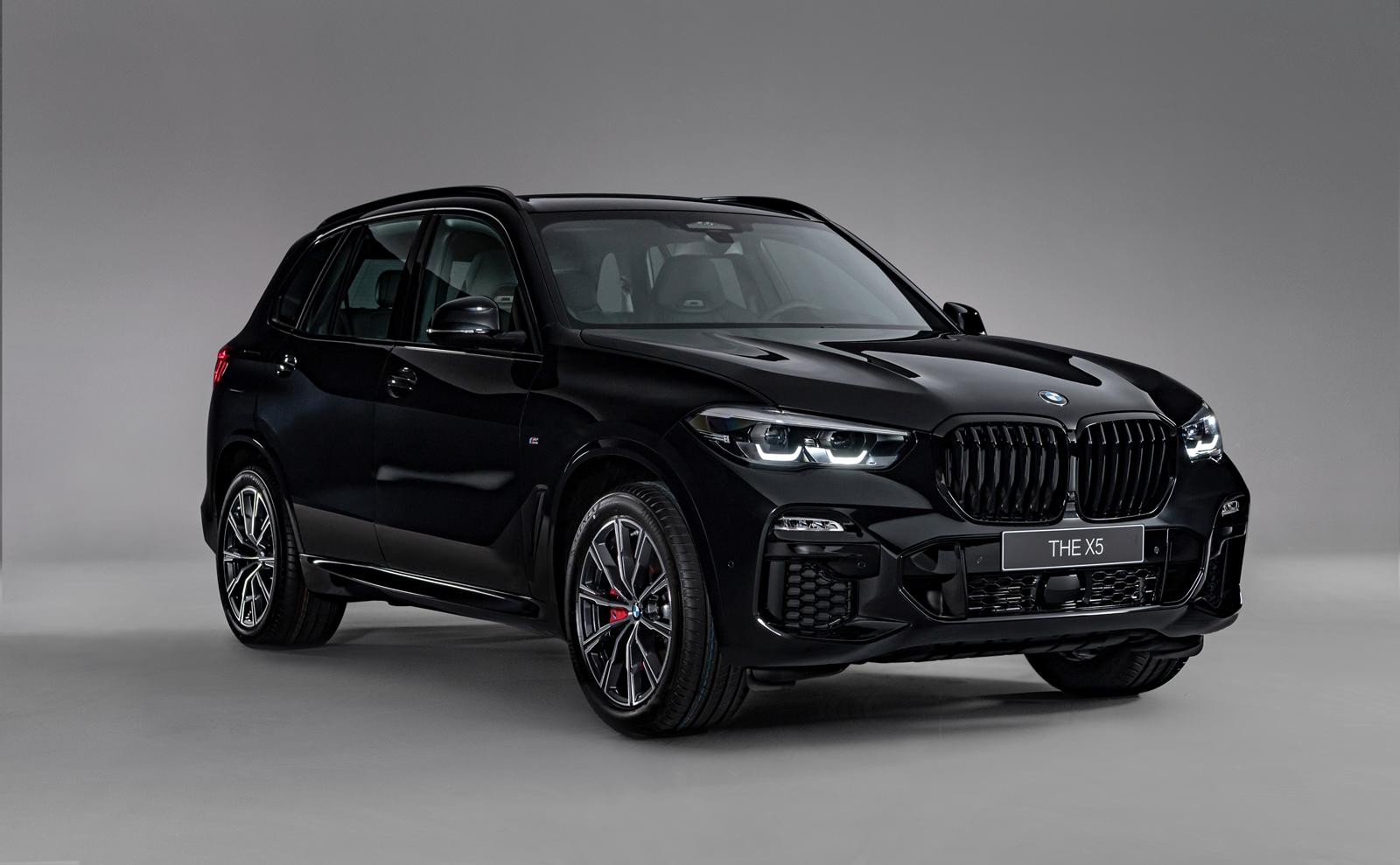 BMW X5 Dark Knight曜黑版。