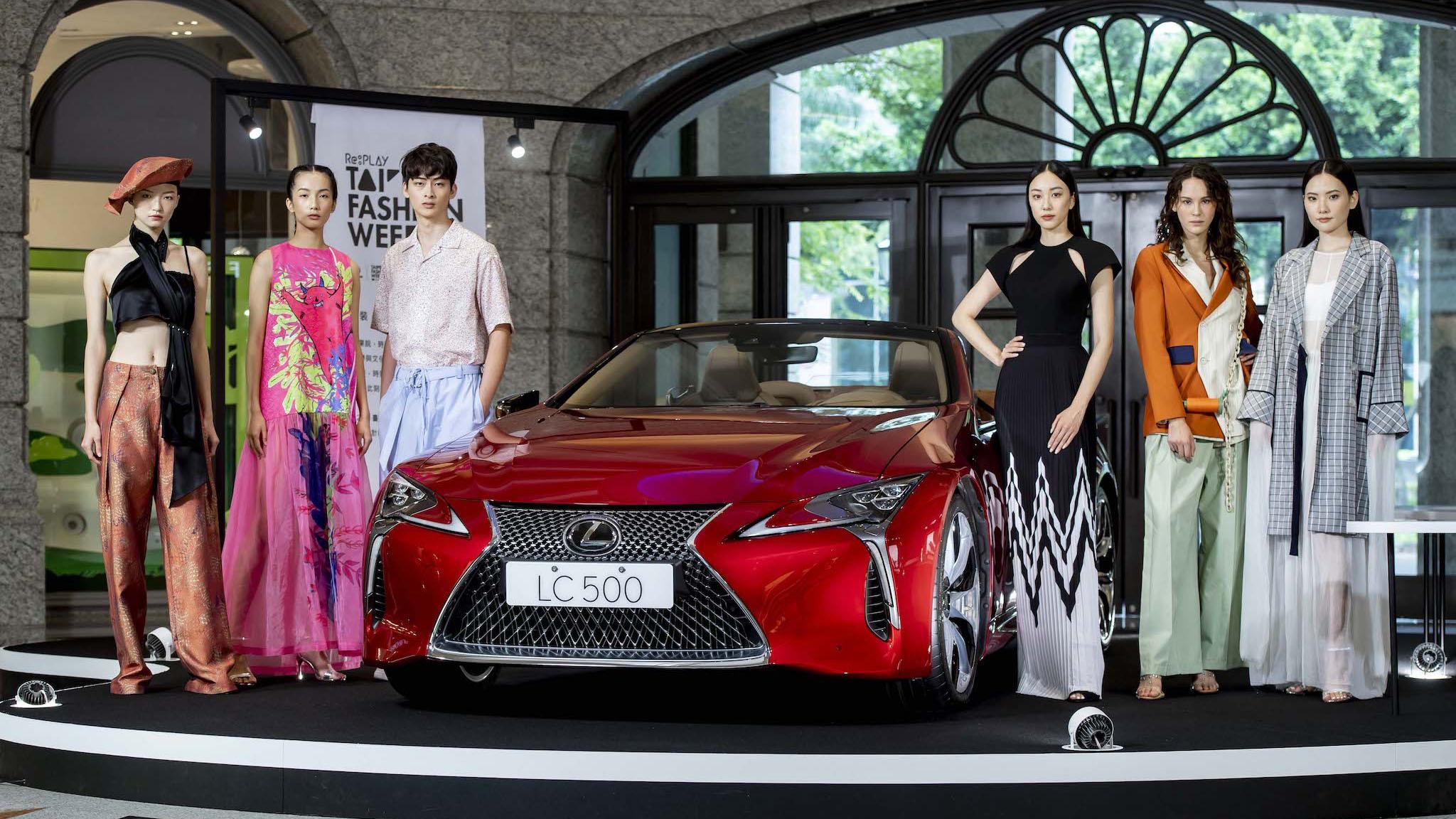 凱渥名模出席出席 2020 臺北時裝週 X VOGUE FNO 記者會,展演臺灣新銳設計服裝。