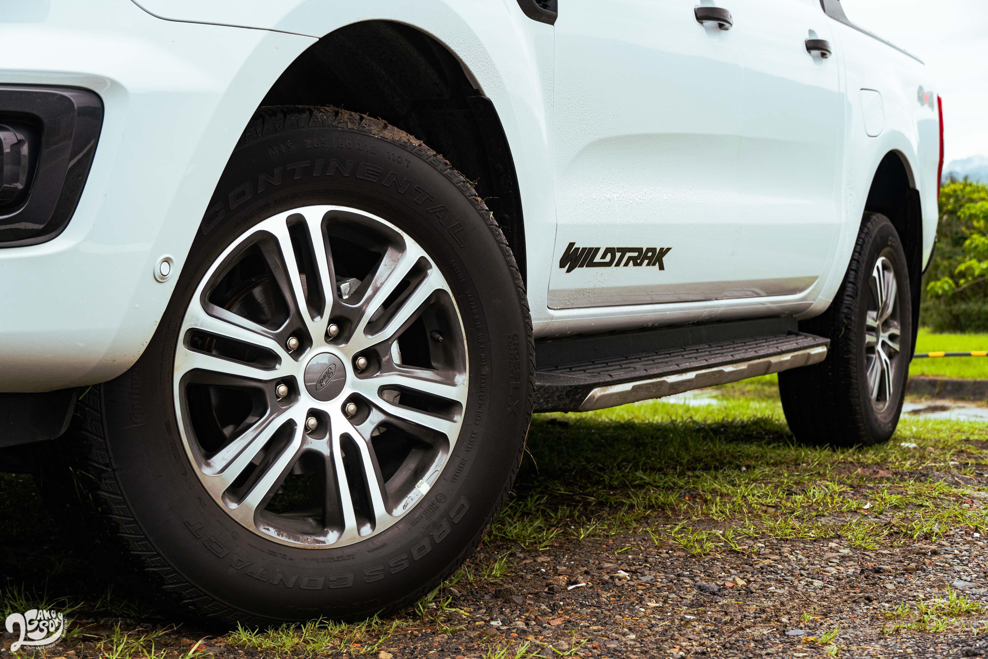 車系尺碼最大的 Wildtrak 18 吋輪圈。