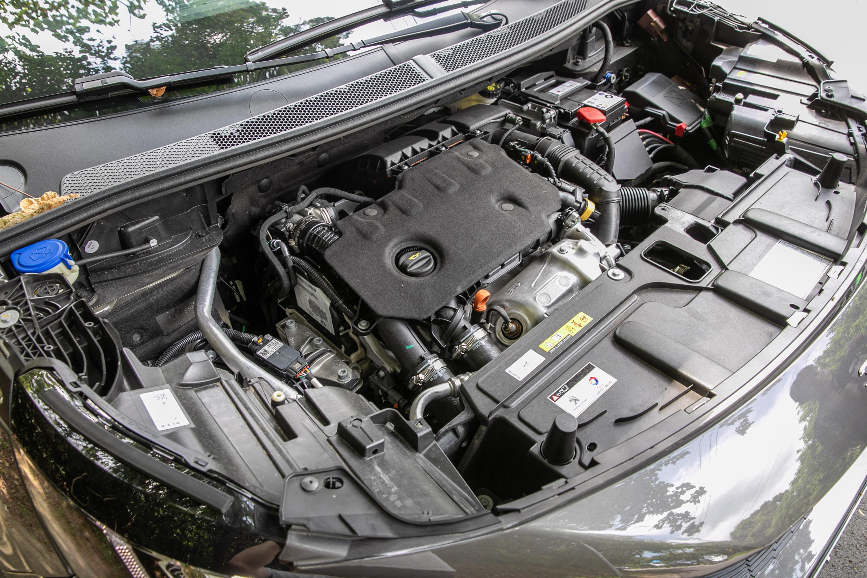 搭載 1.5 升柴油引擎,具備有 130bhp / 3750rpm 最大馬力與 300Nm / 1750rpm 最大扭力輸出。