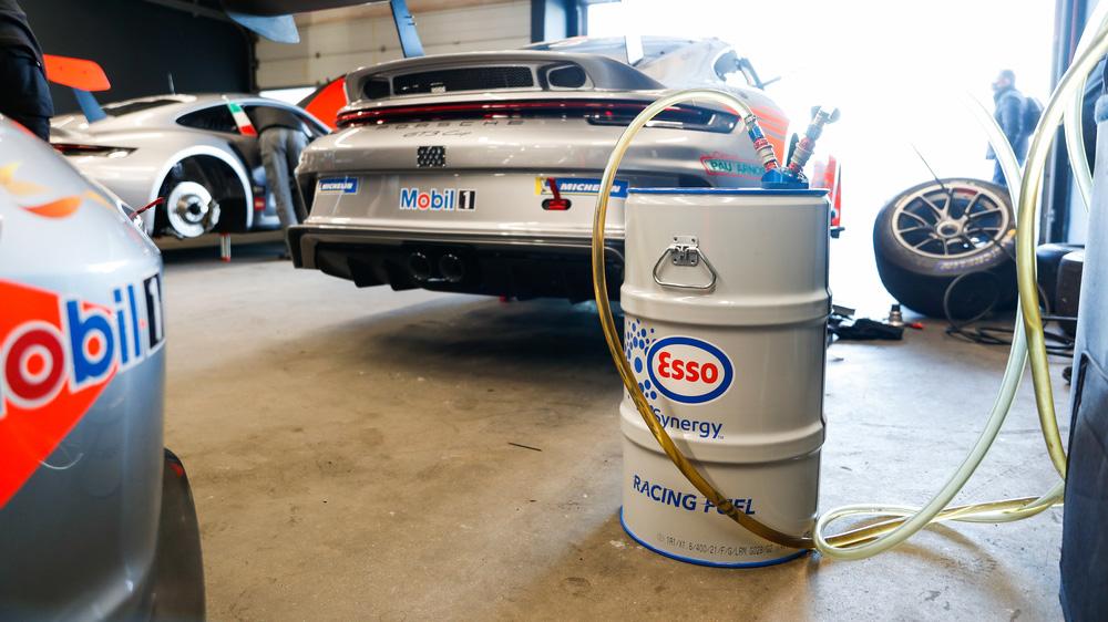 Porsche 與 ExxonMobil 攜手 展開低碳燃料賽道測試