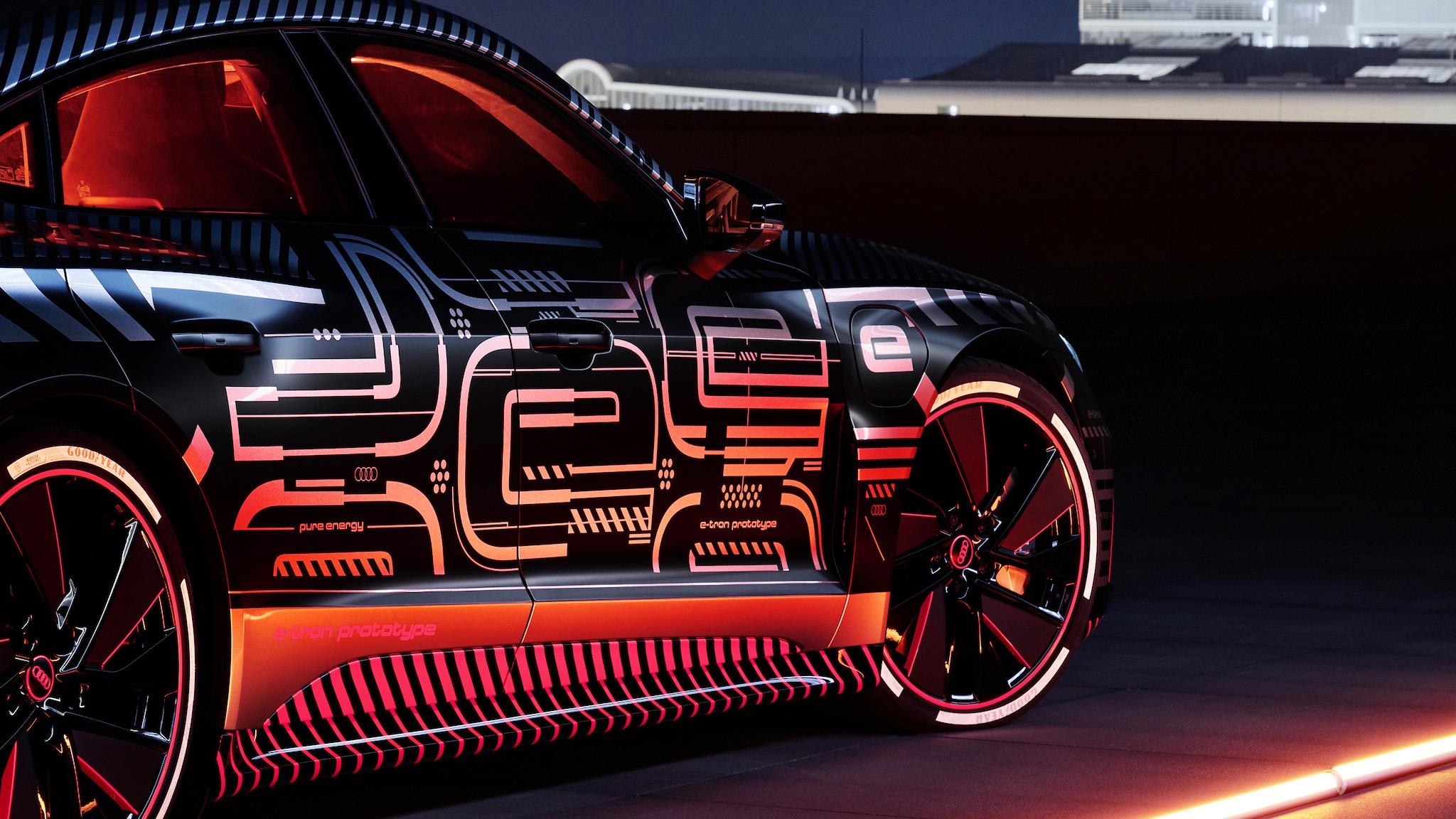 雪橇送禮已落伍 Audi e-tron GT 成為聖誕老人新座駕