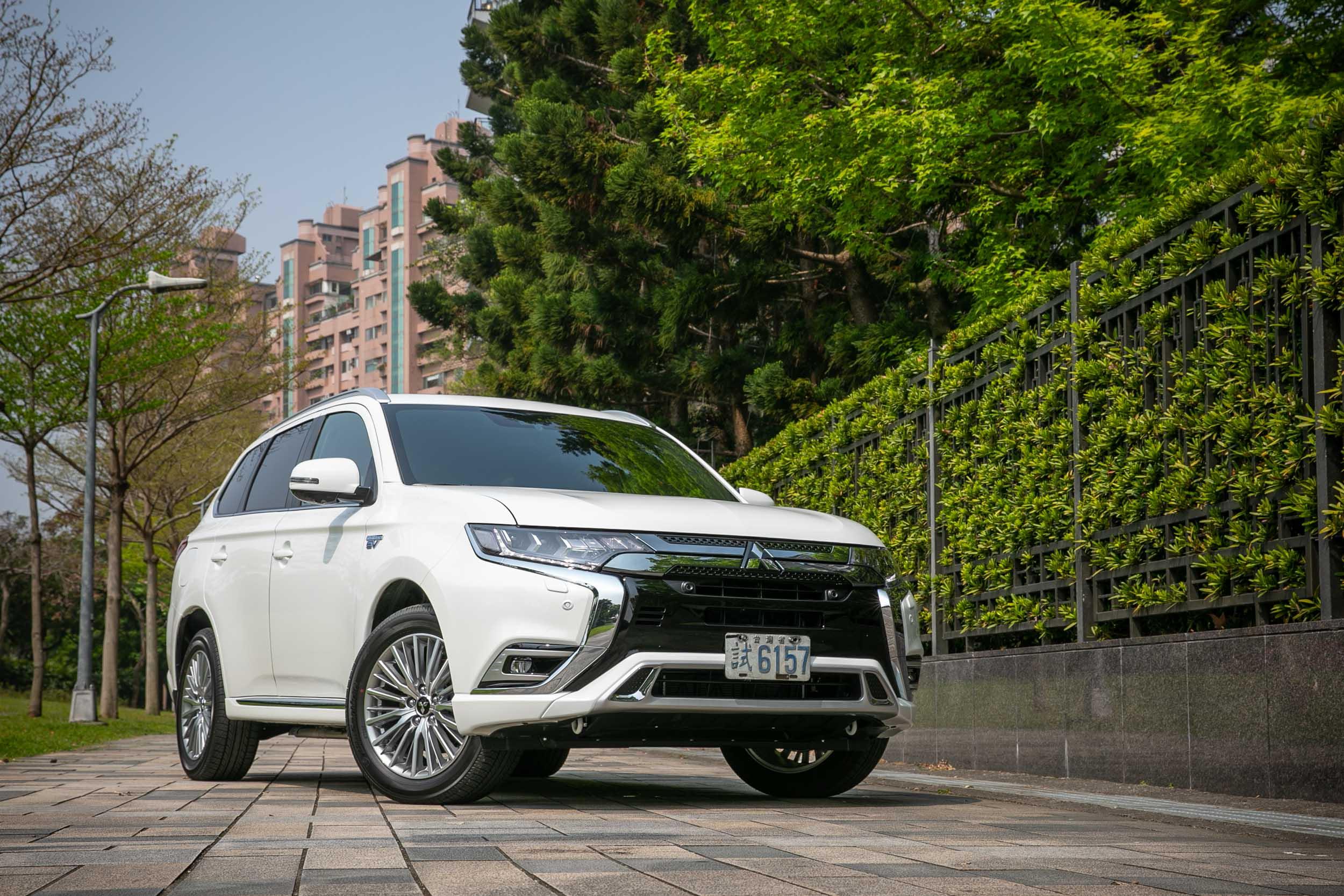Mitsubishi Outlander PHEV 其實於 2013 年 1 月至 2020 年 9 月期間,都是全球最暢銷的 PHEV 休旅車款。