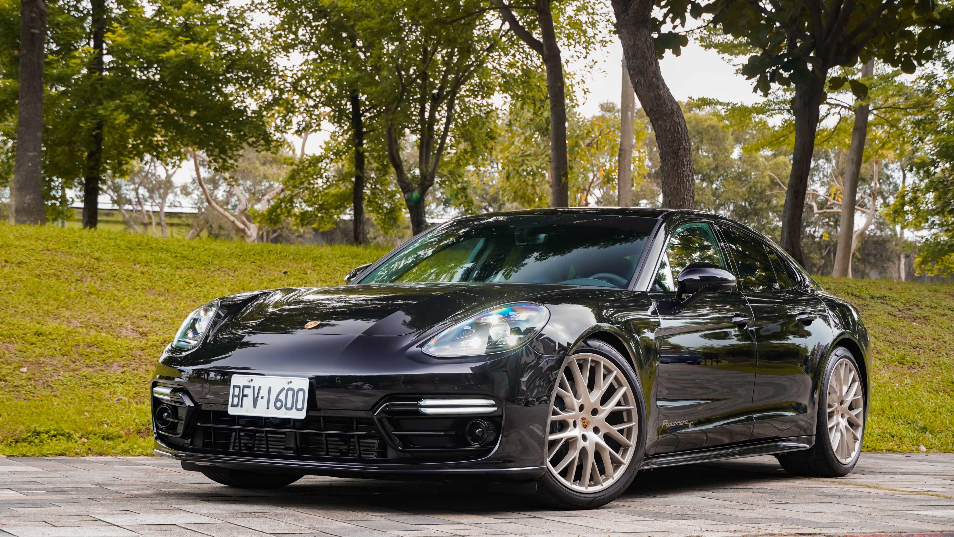 Porsche Panamera 10 Years Edition 售價 570 萬元起。