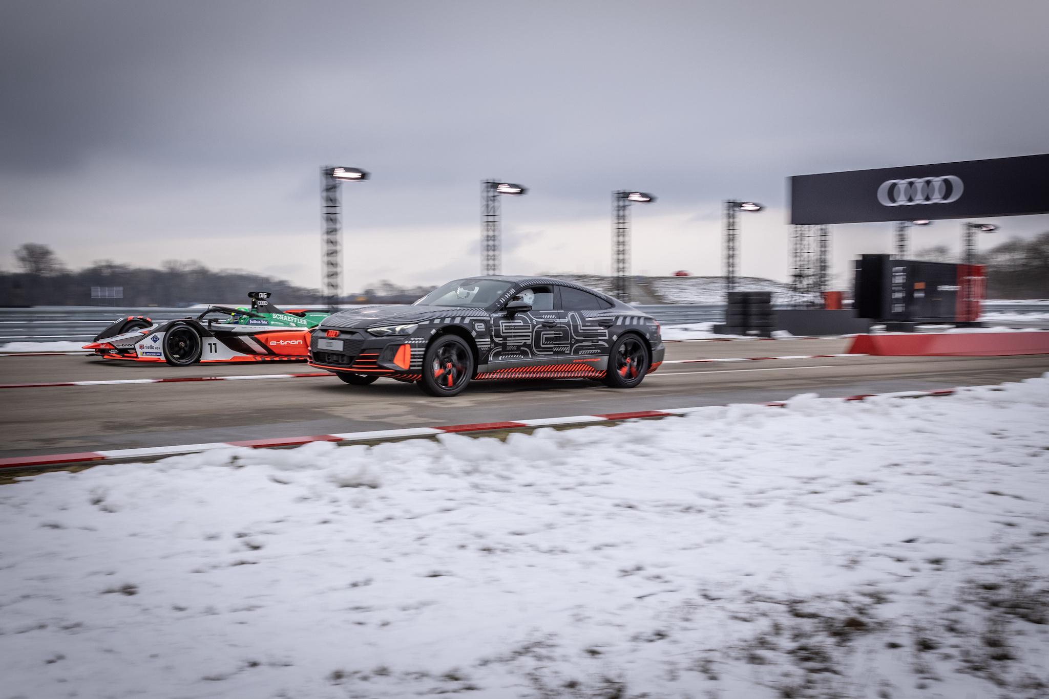 e-tron GT RS 0-100 km/h 加速僅需 3.3 秒。