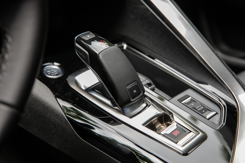 動力銜接八速手自排變速系統。