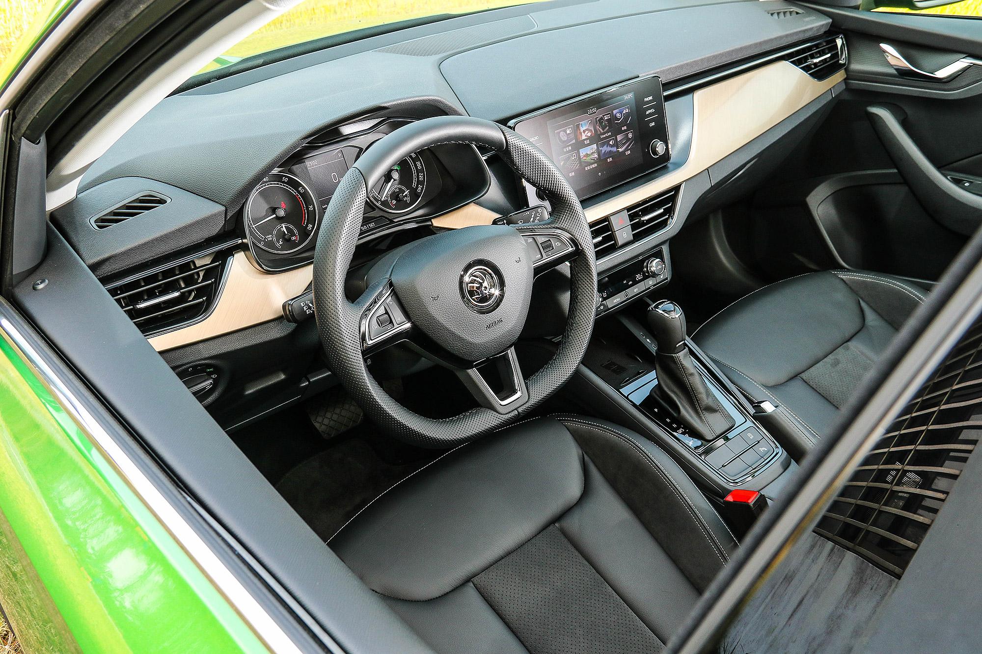 Scala 也是第一款使用全新內裝設計的 Škoda 產品。