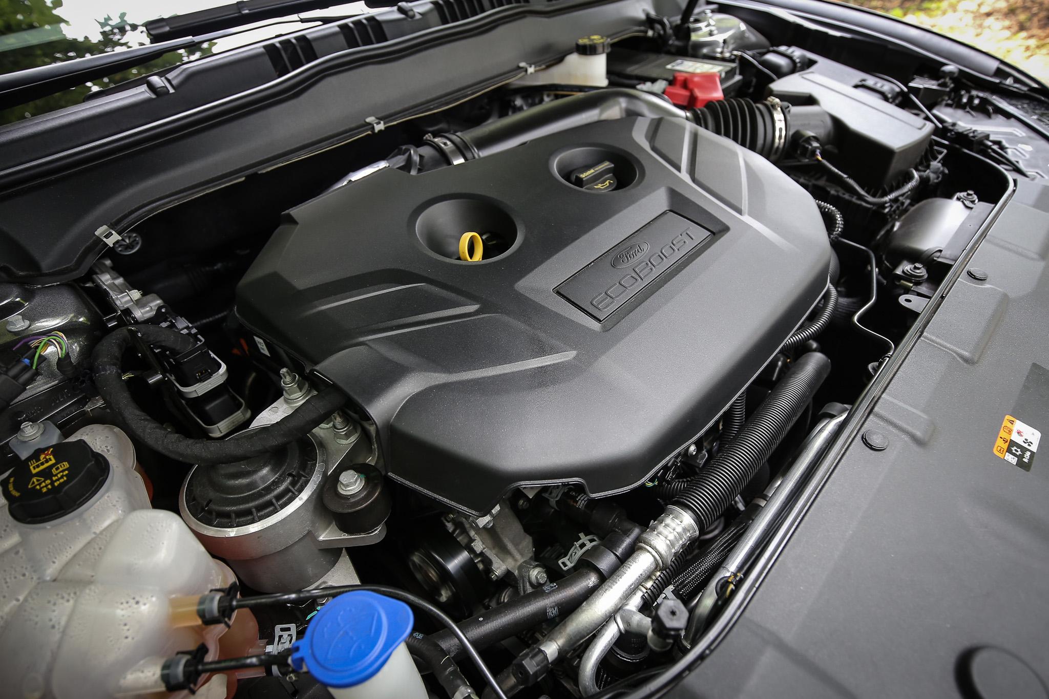 搭載 2.0L EcoBoost®240 高效渦輪汽油引擎,可輸出 240ps/5300rpm 最大馬力與 35.2kgm/2300~4900rpm 峰值扭力。