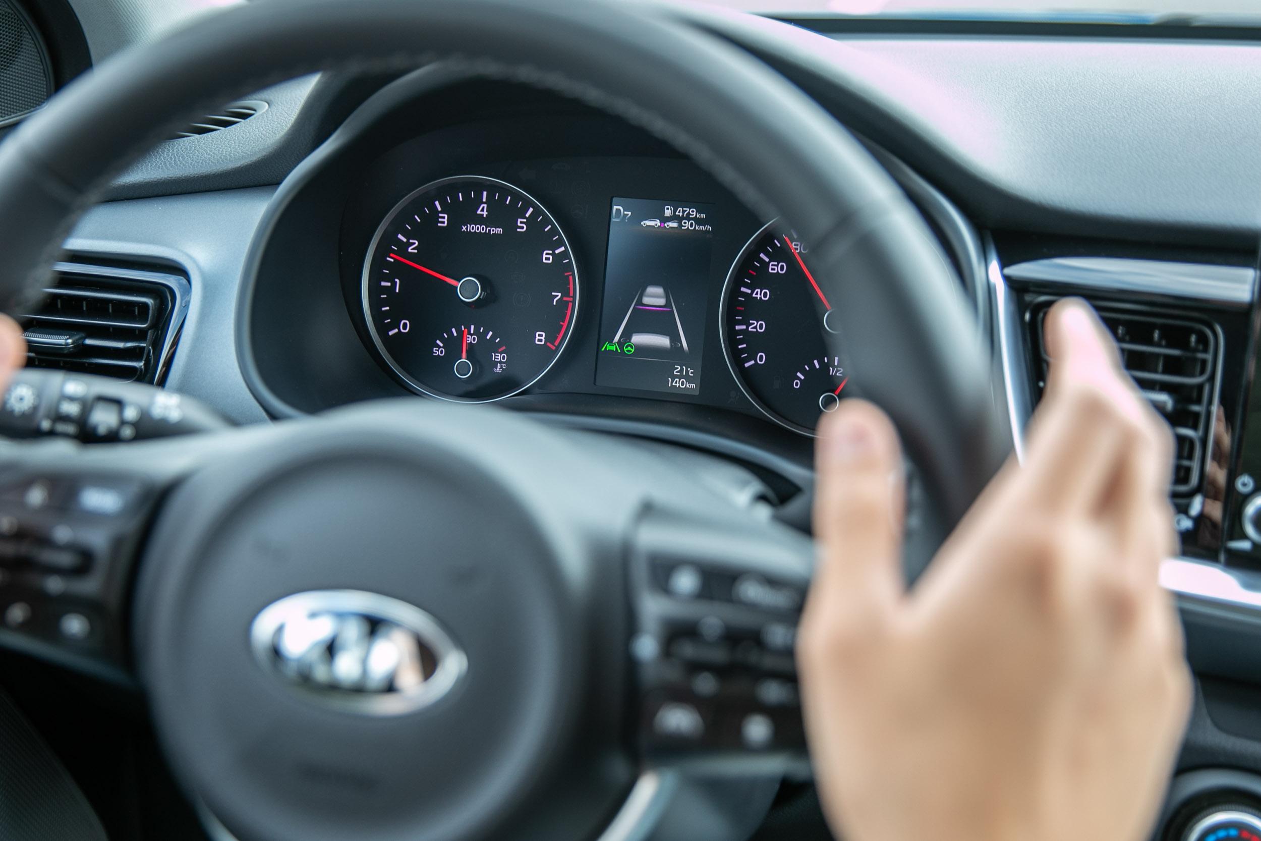 標配可在10~180km/h速度區間作動的 SCC智慧巡航系統(也就是常見的ACC)、全速域的LKA車道維持輔助、LFA進階行車道維持輔助(0~200km/h)等安全輔助科技。