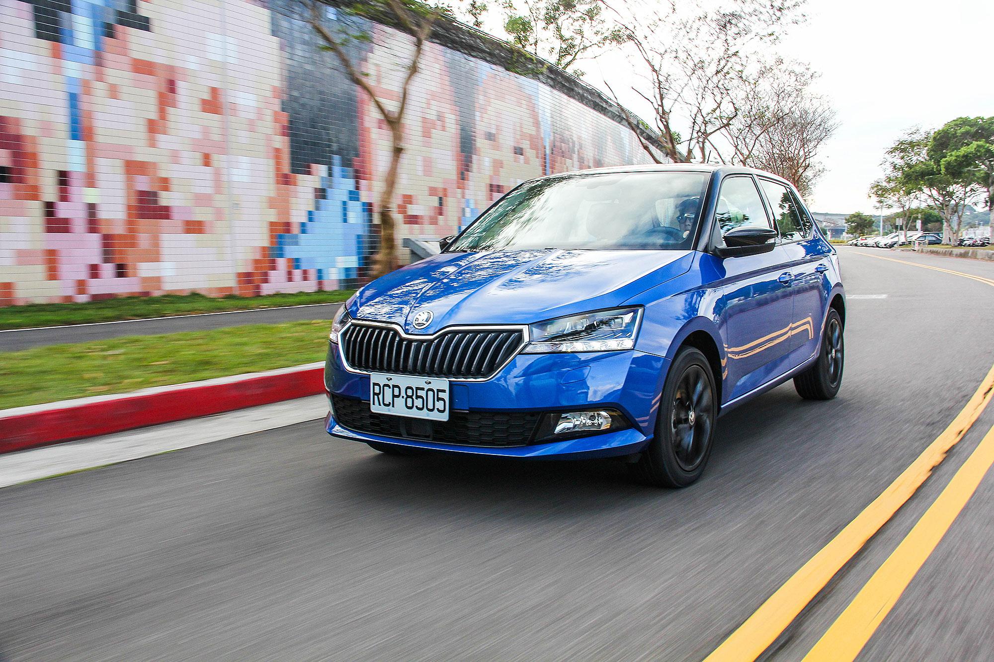 2020 年式開始, Škoda Taiwan將新增 Fabia 1.0 TSI 魅力型,提供直接搭配魅力套件的車型選擇。